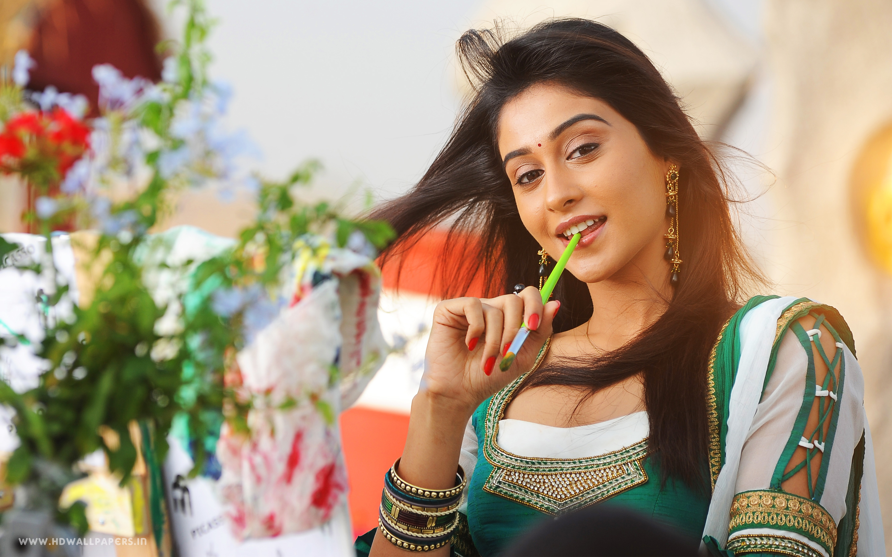 Regina Cassandra Latest 1471.75 Kb