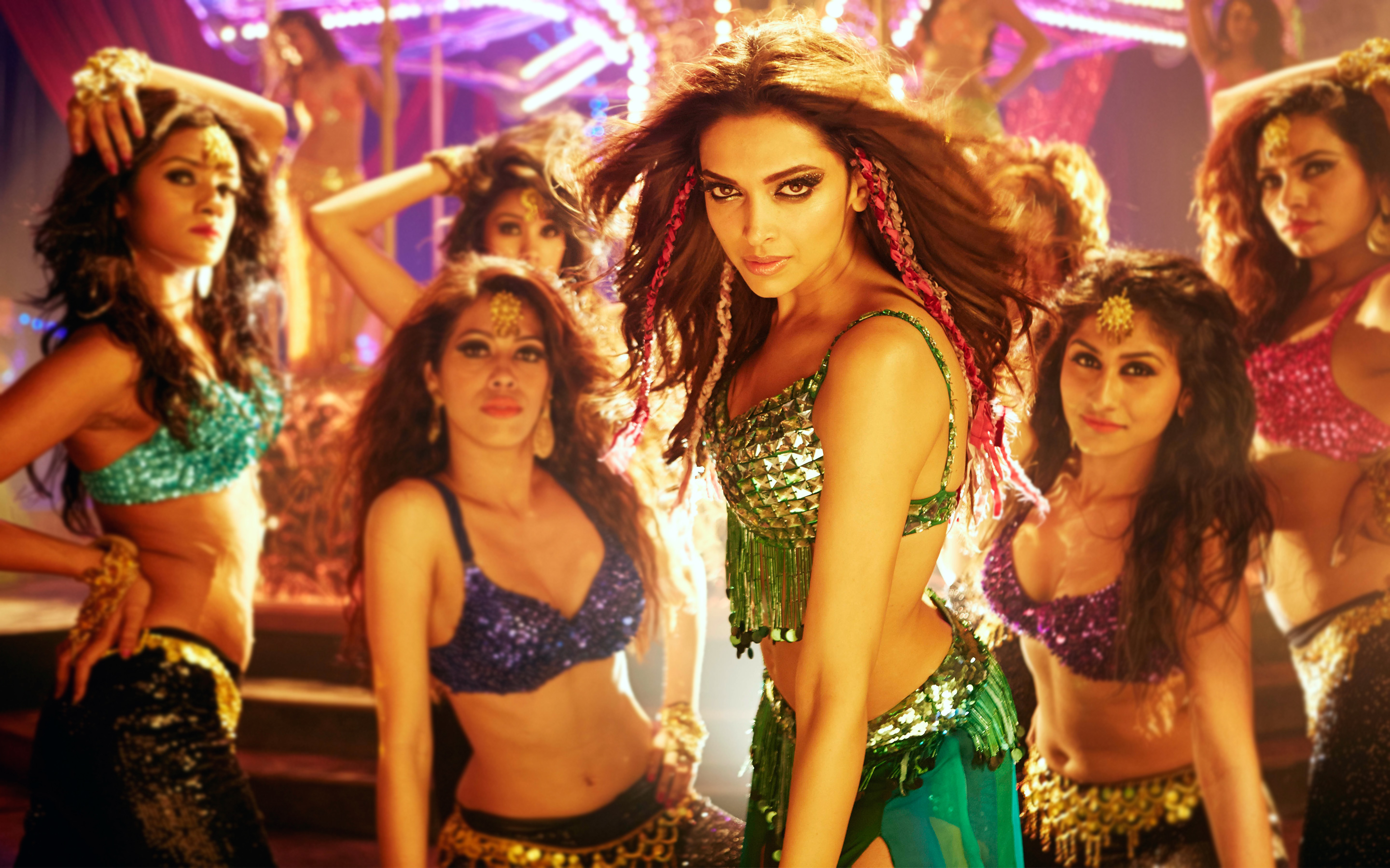 Deepika Padukone Happy New Year