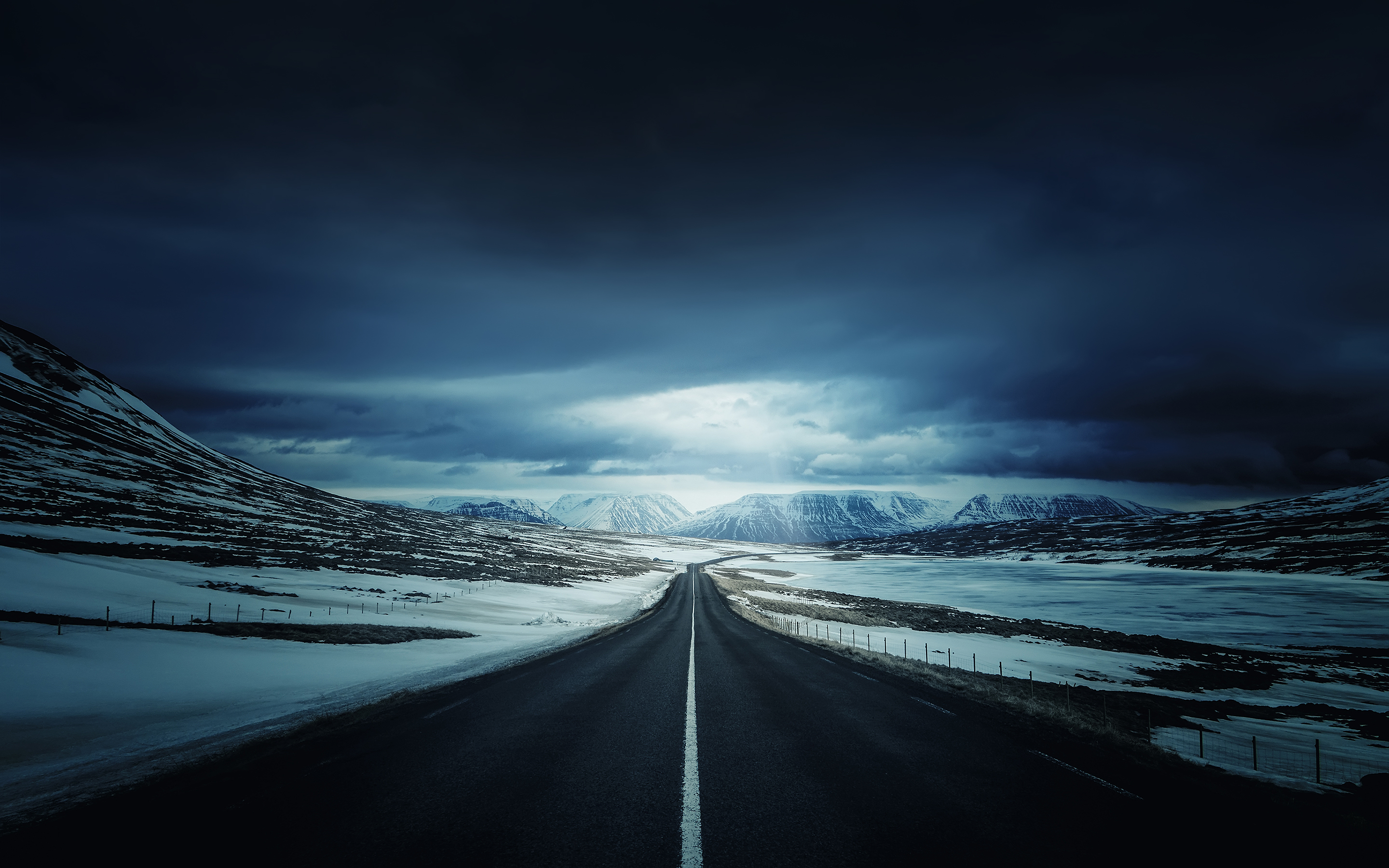 Iceland's Ring Road 843.96 Kb