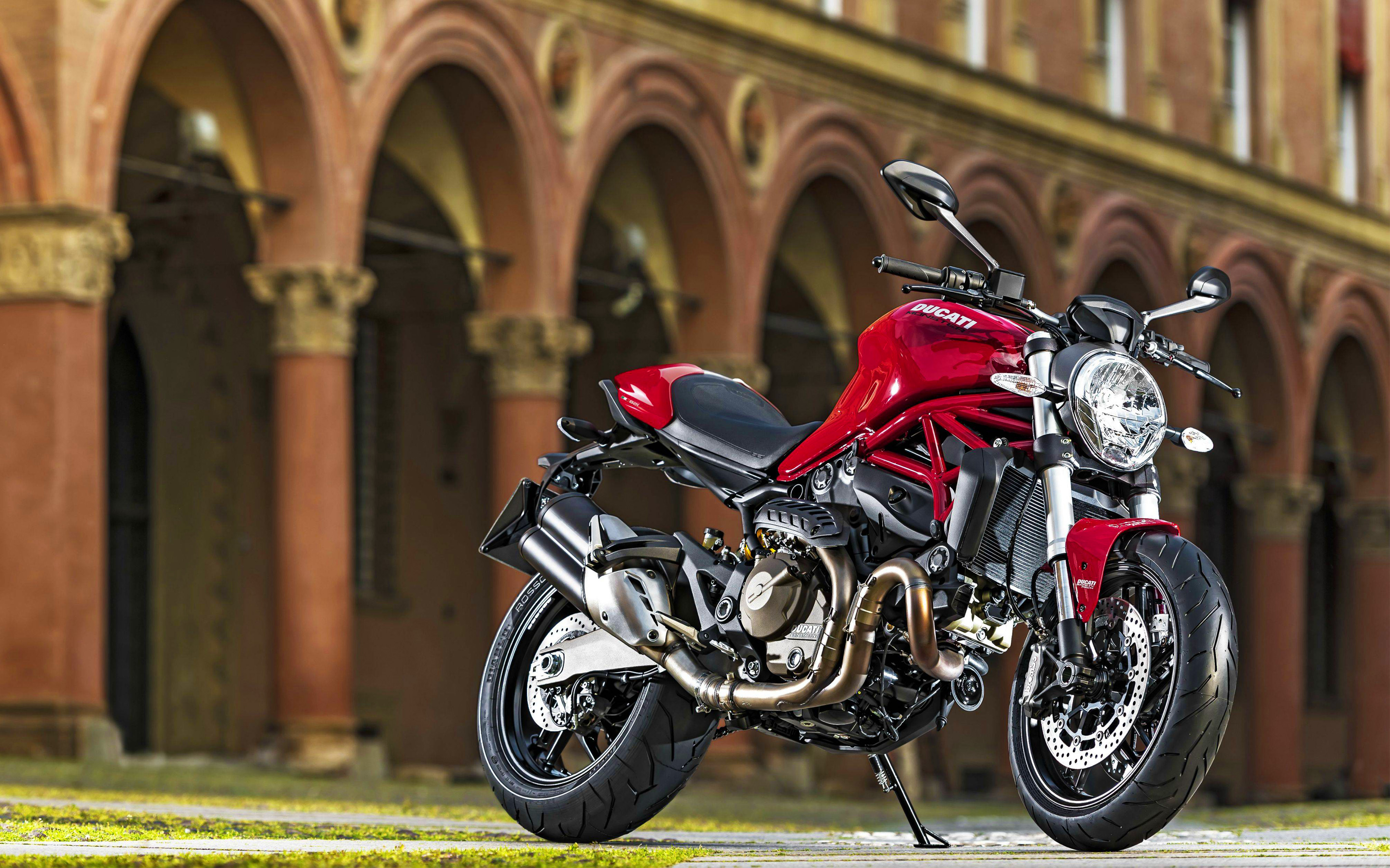 2015 Ducati Monster 821 225.69 Kb