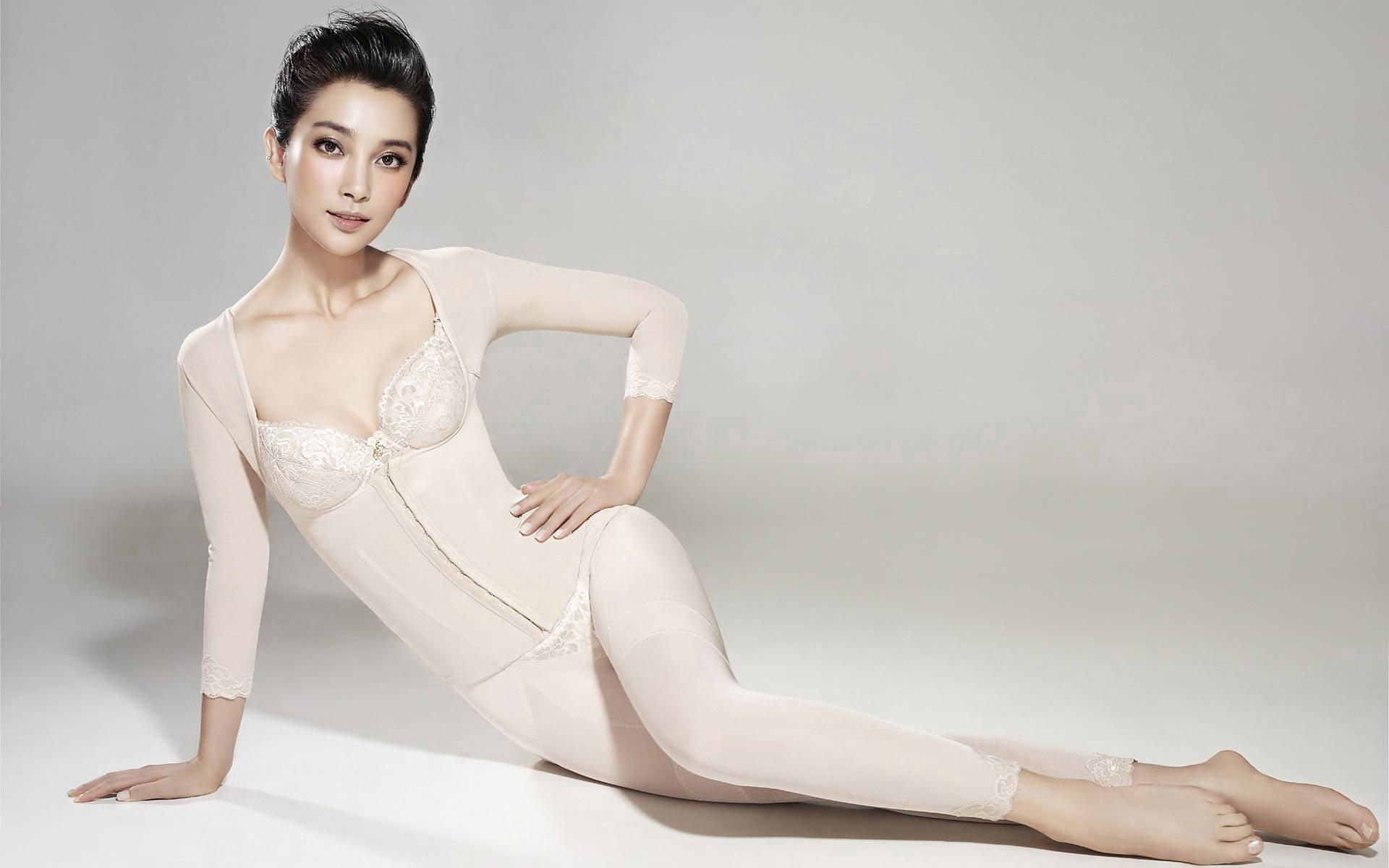 Li Bingbing Chinese Actress 342.59 Kb