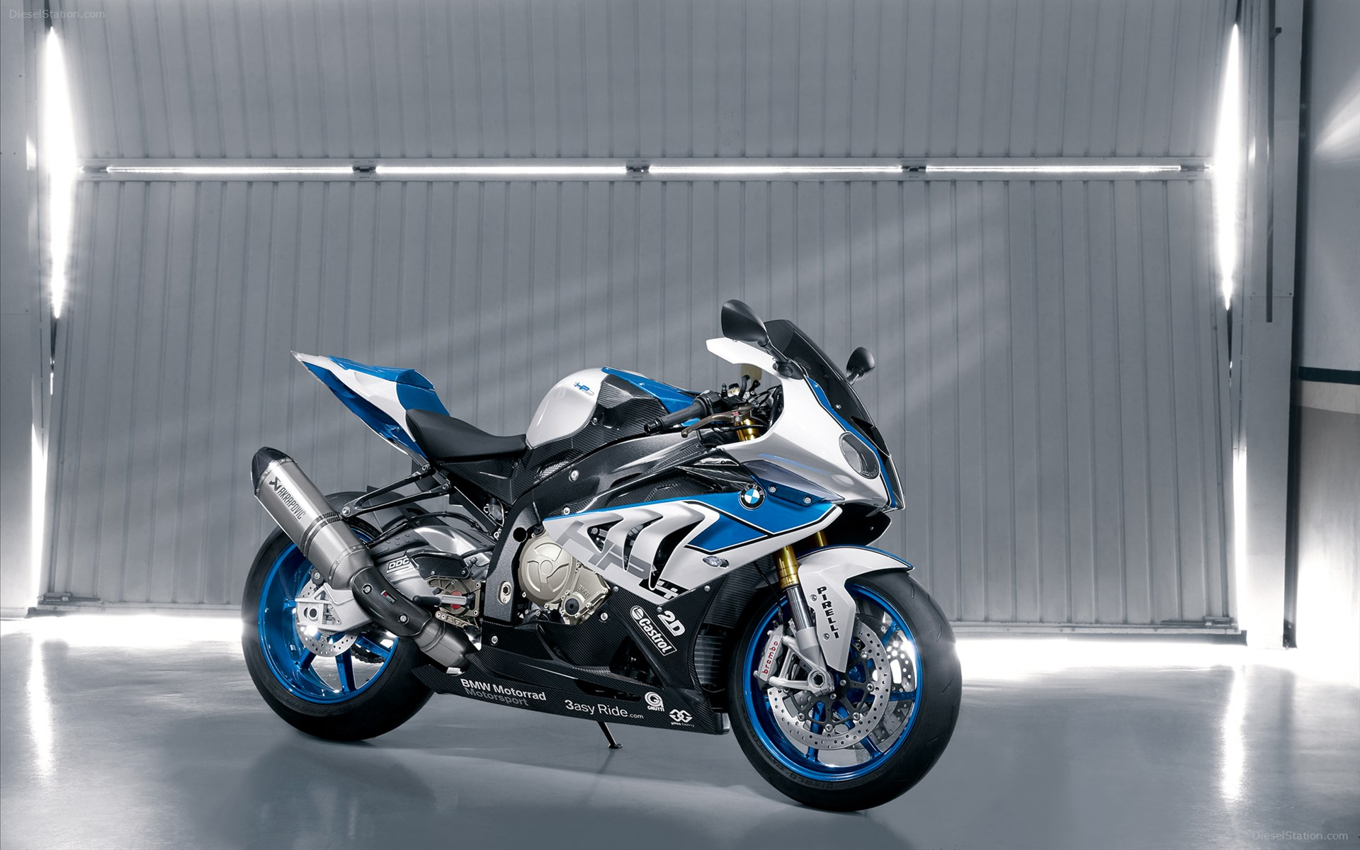 2013 BMW HP4 1800.38 Kb