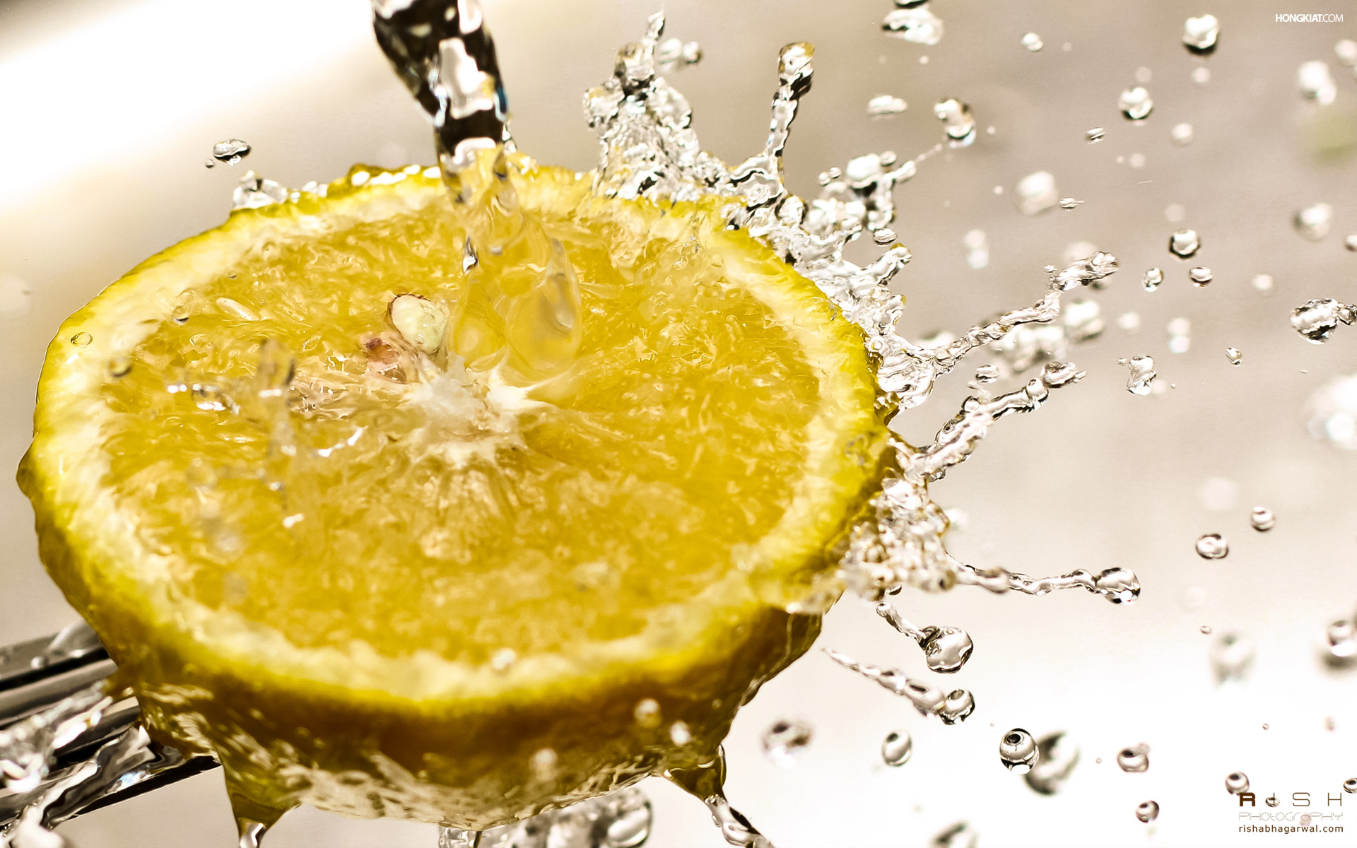 Lemon Splash 356.6 Kb