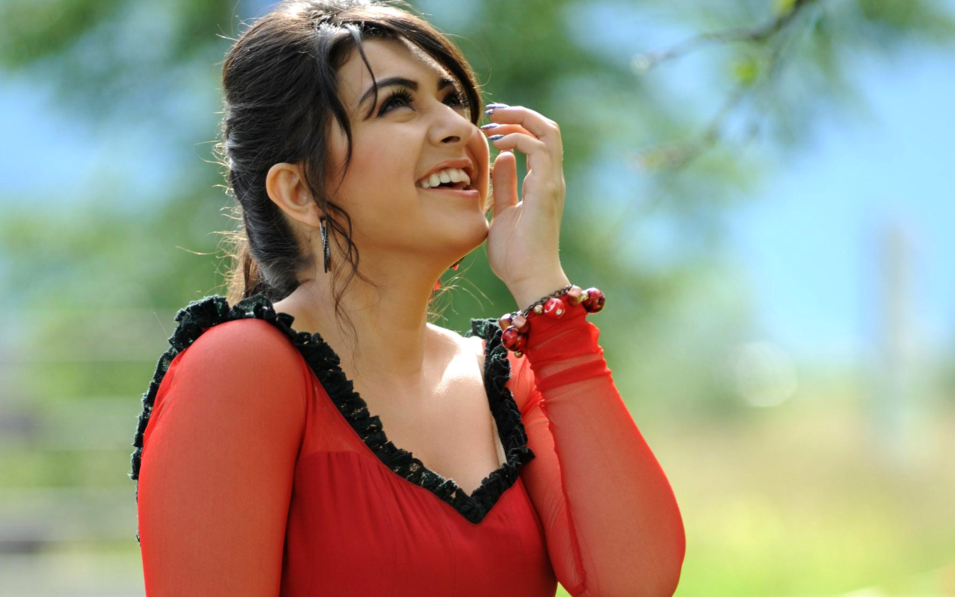 South Actress Hansika Motwani 217.69 Kb
