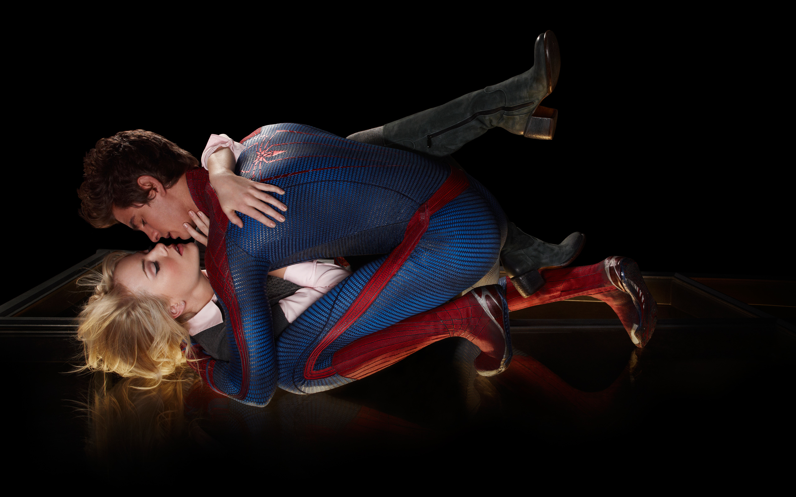 Amazing Spider Man Love Kiss