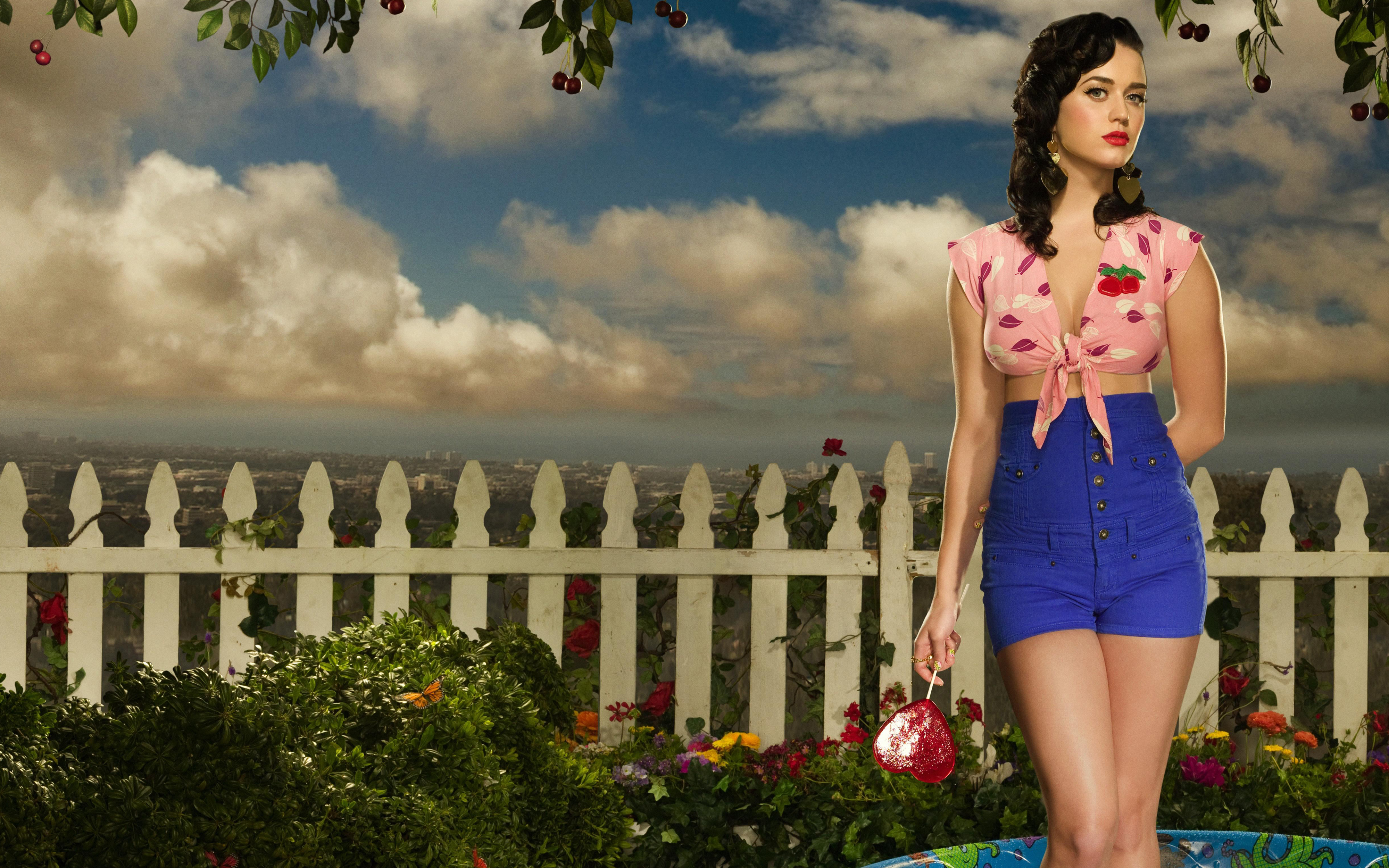 Katy Perry 2012 Album 3588.89 Kb