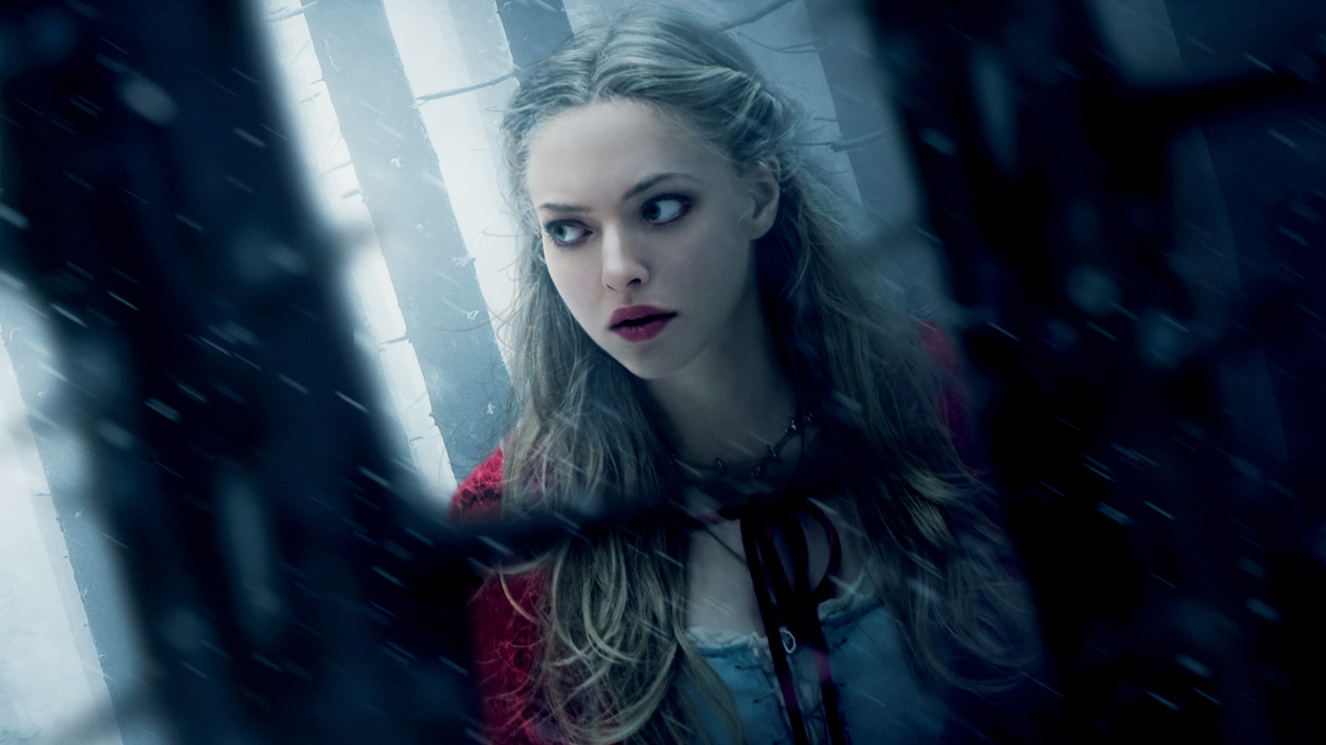 Amanda Seyfried as Valerie 1212.66 Kb
