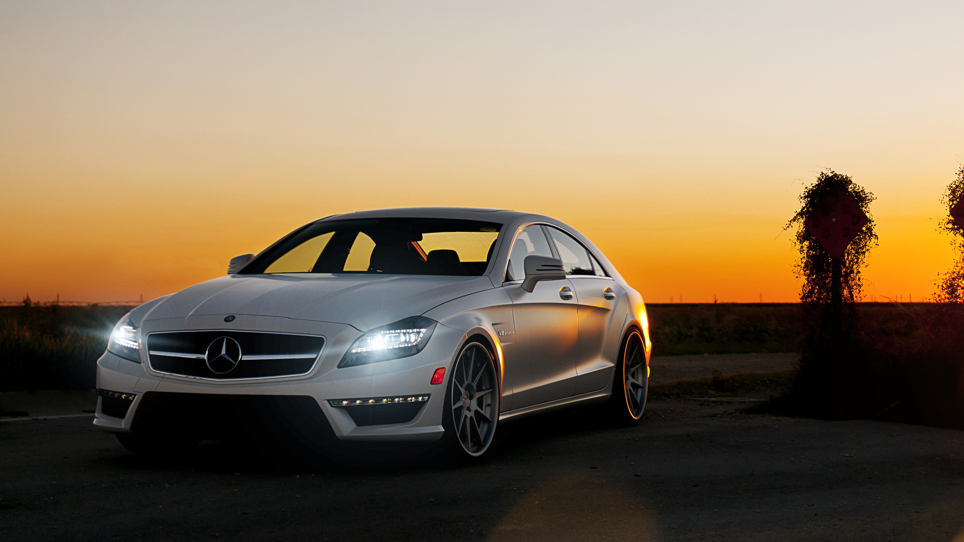 Mercedes Benz CLS63 960.04 Kb