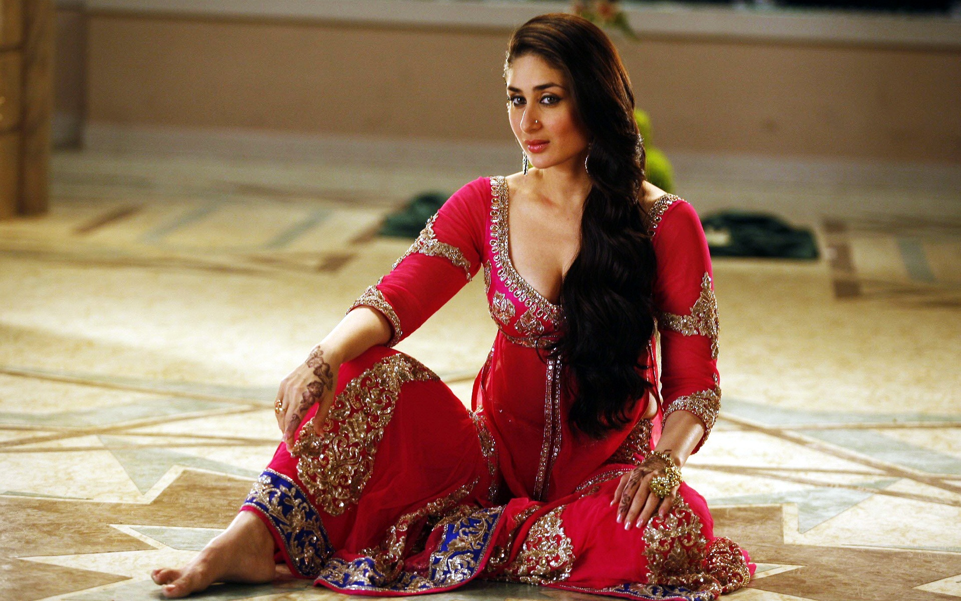 Kareena Kapoor in Agent Vinod 1211.8 Kb