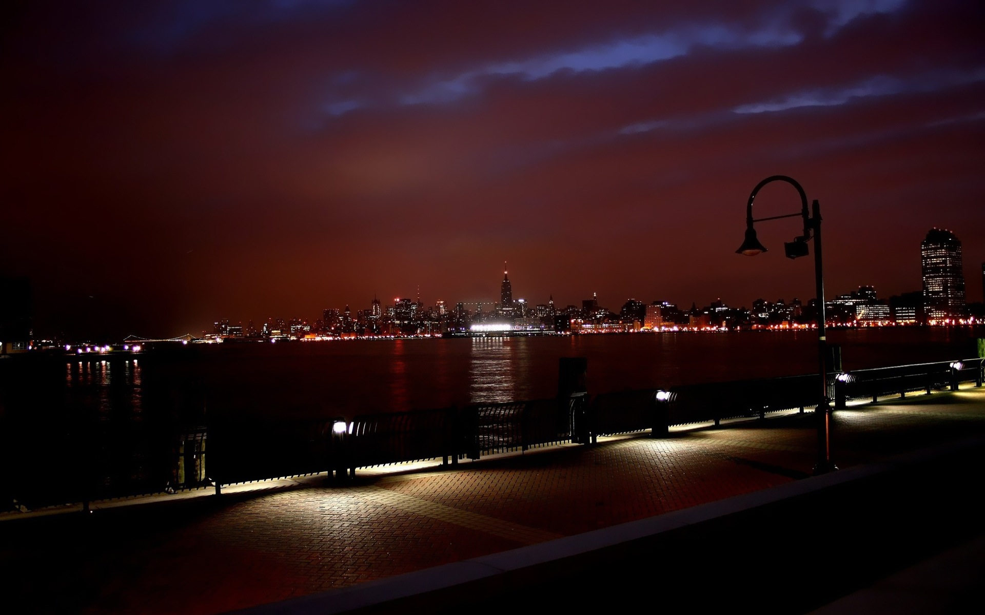 New York Skyline at Night 1673.84 Kb