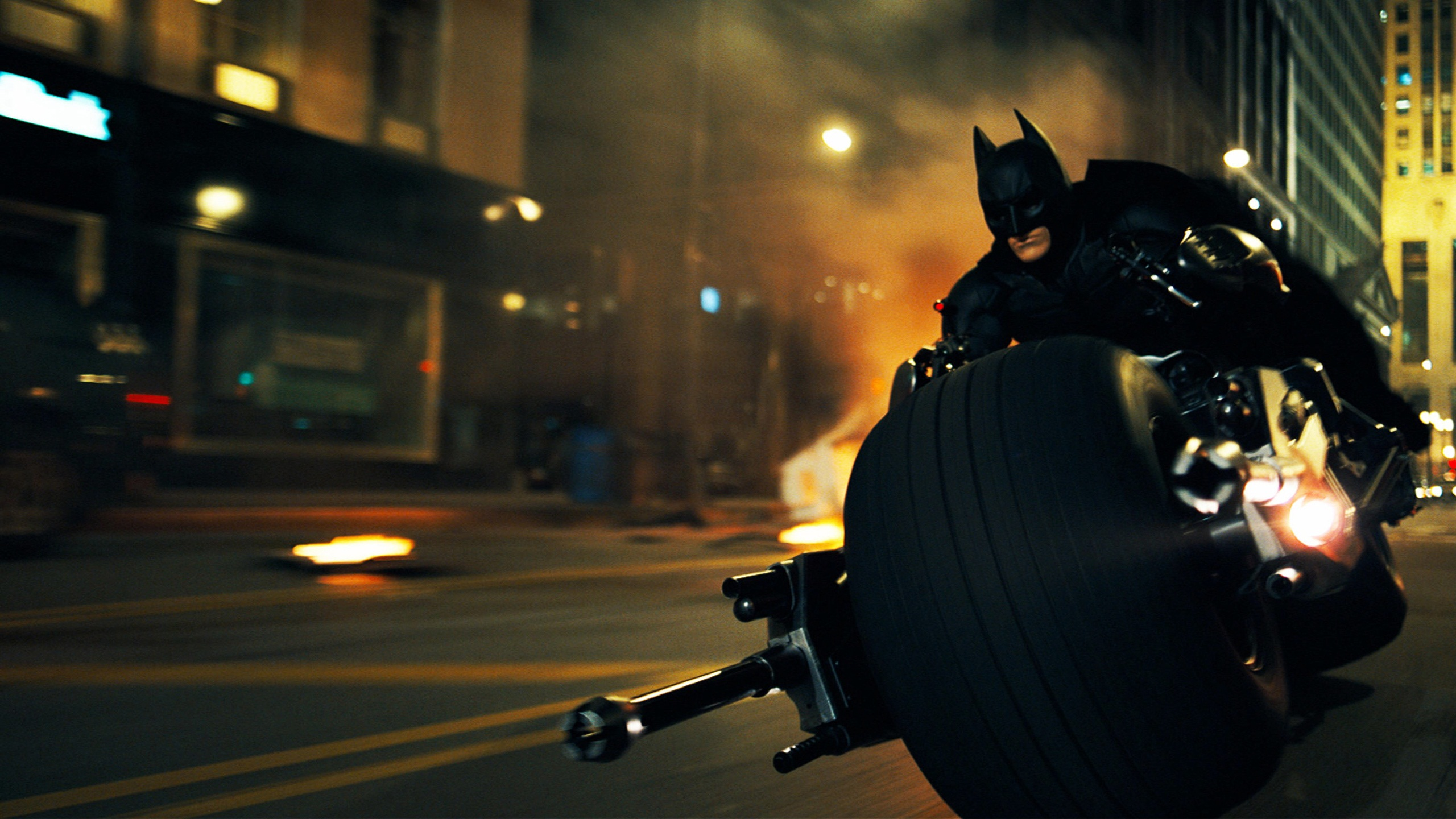 Batman in Dark Knight Rises 689.69 Kb