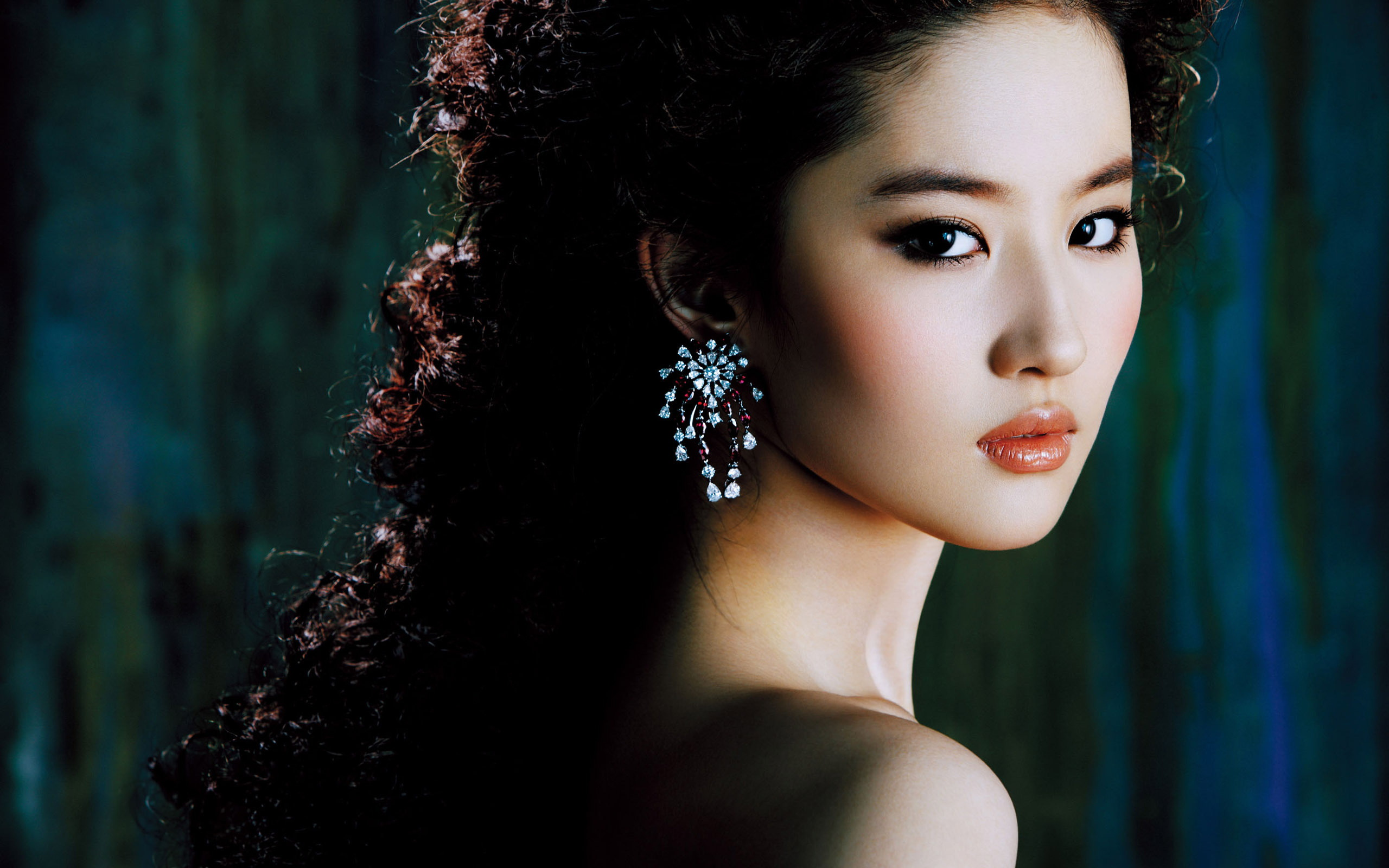 Chinese Actress Liu Yifei 342.59 Kb