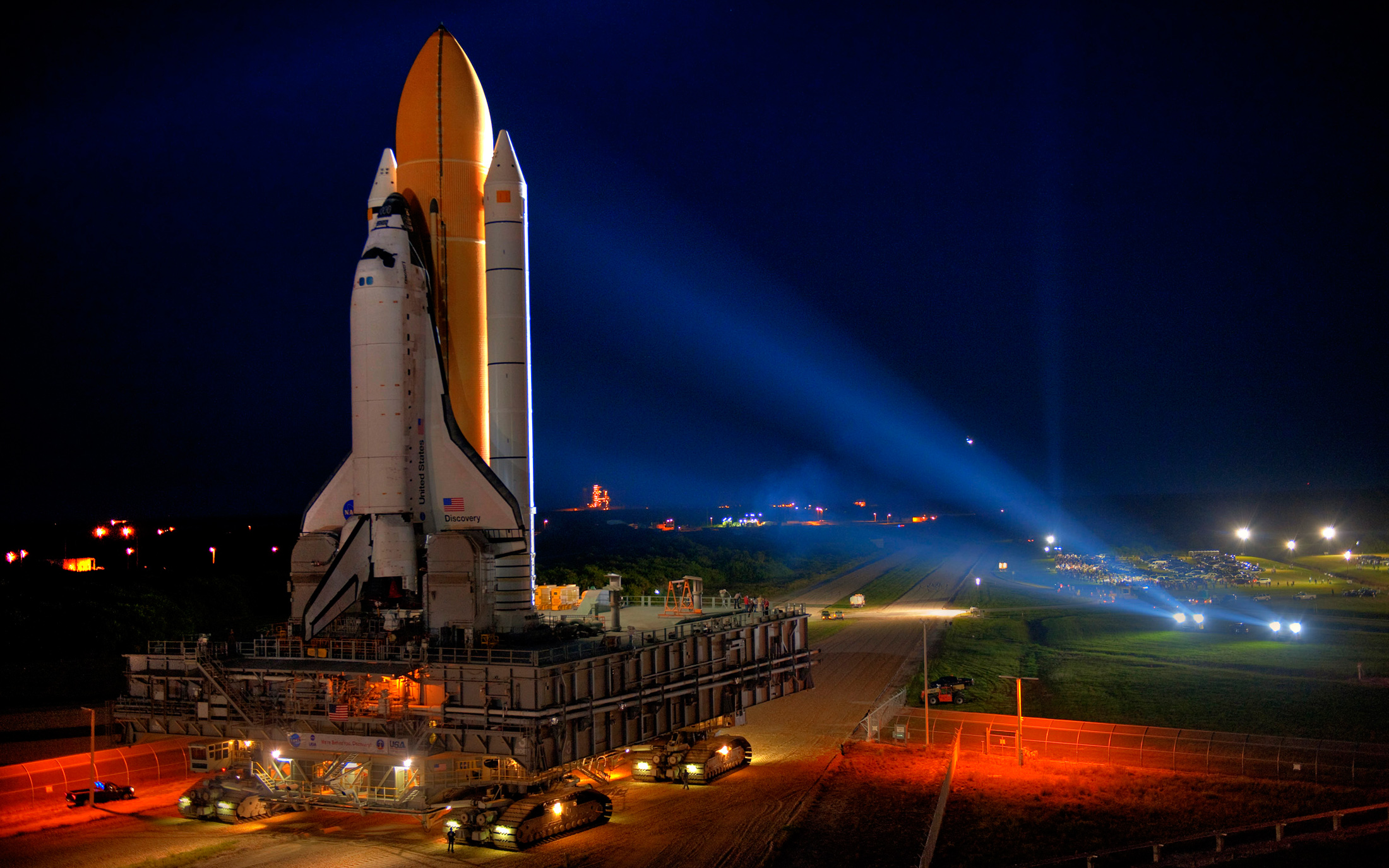 who built space shuttle discovery - photo #15