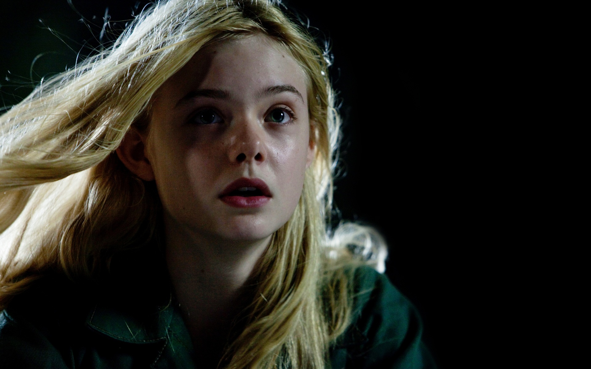 Elle Fanning in Super 8 541.89 Kb