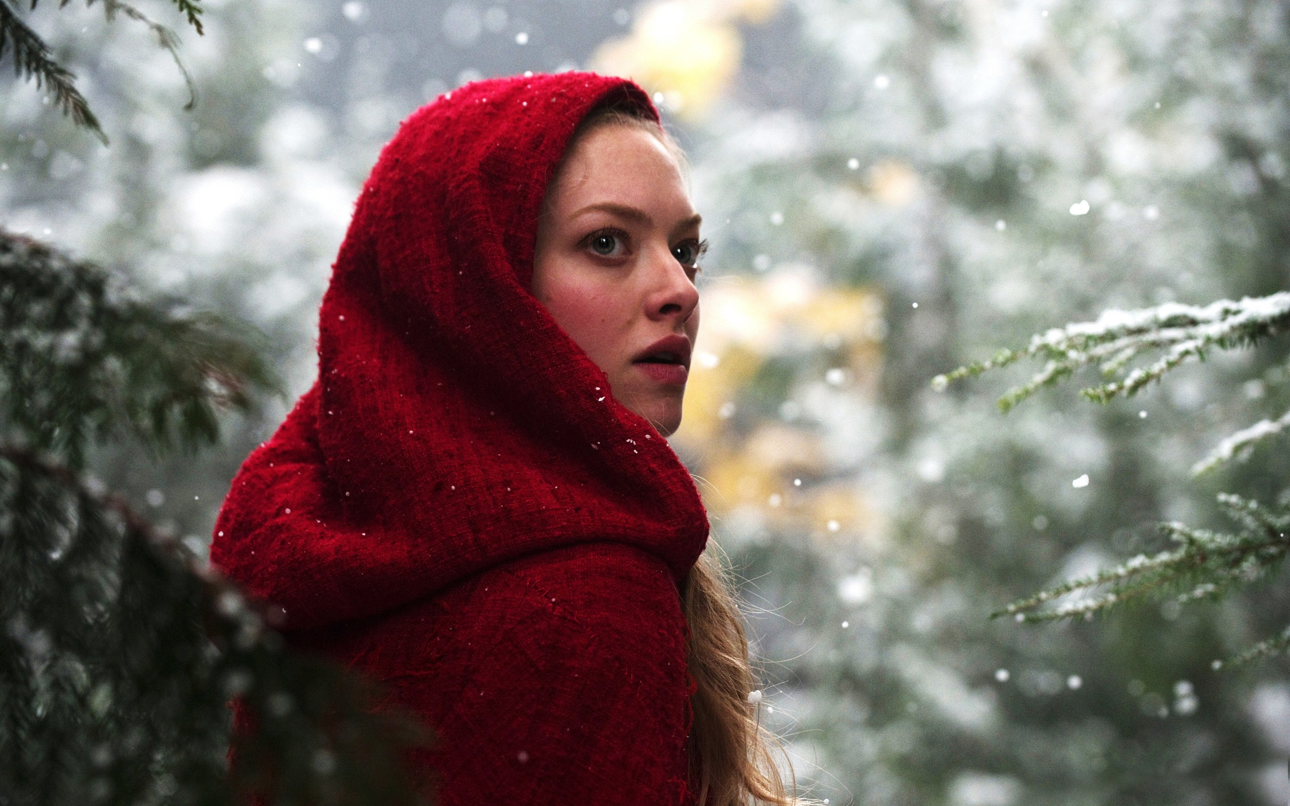 Amanda Seyfried in Red Riding Hood 1425.69 Kb