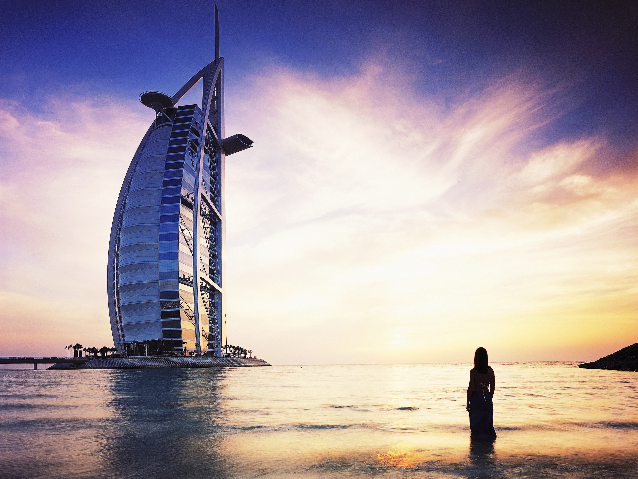Planet dubai 4229319 2560x1600 all for desktop for Dubai burj al arab