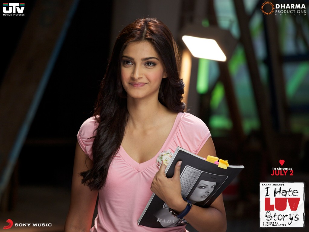 Sonam Kapoor in I Hate Luv Storys 99.58 Kb