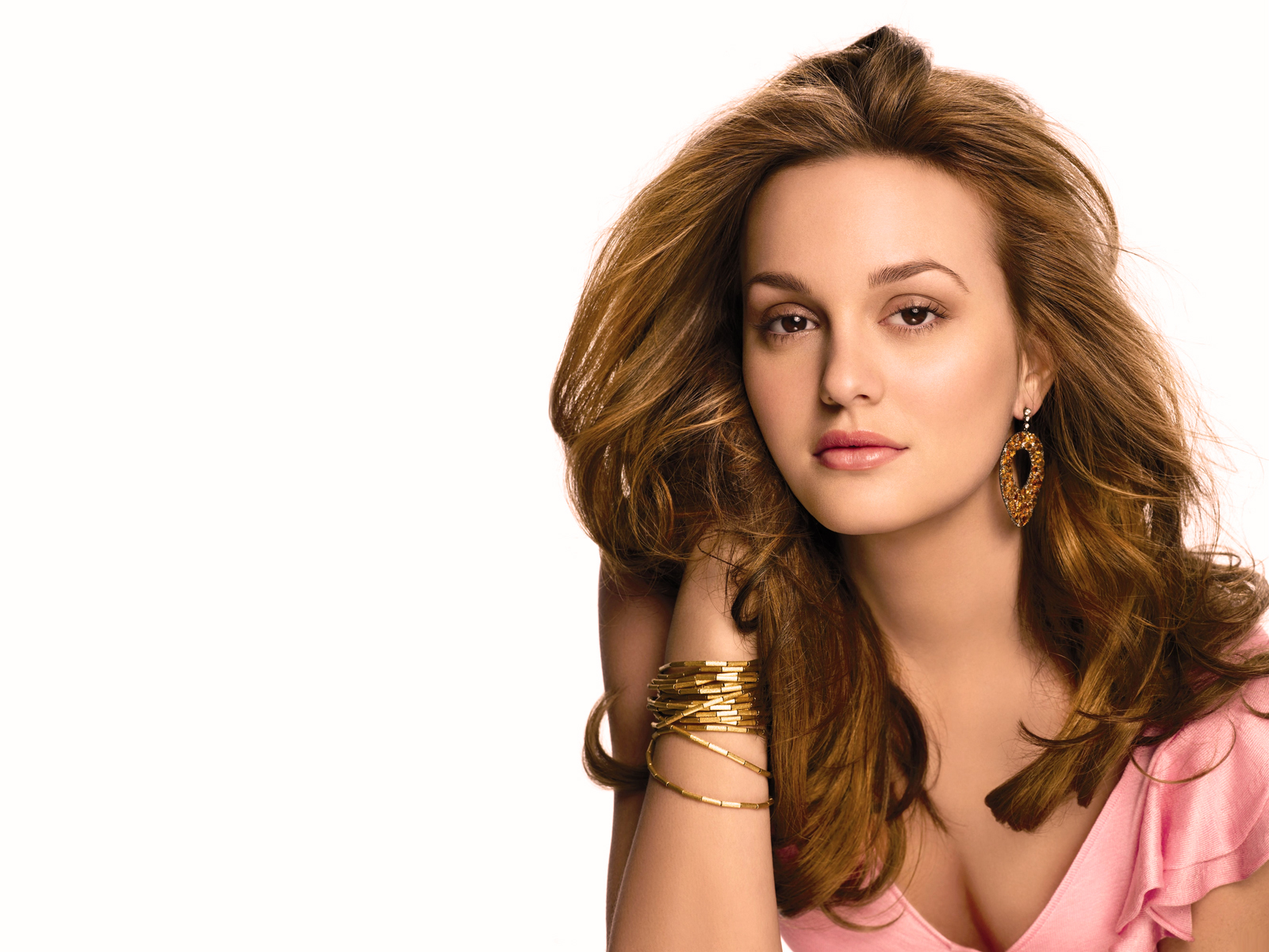 Leighton Meester American Actress 250.75 Kb