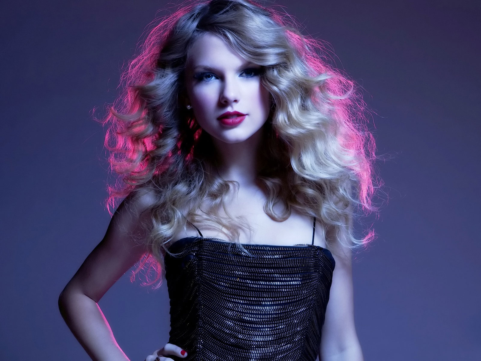 Taylor Swift Latest 2010 135.12 Kb