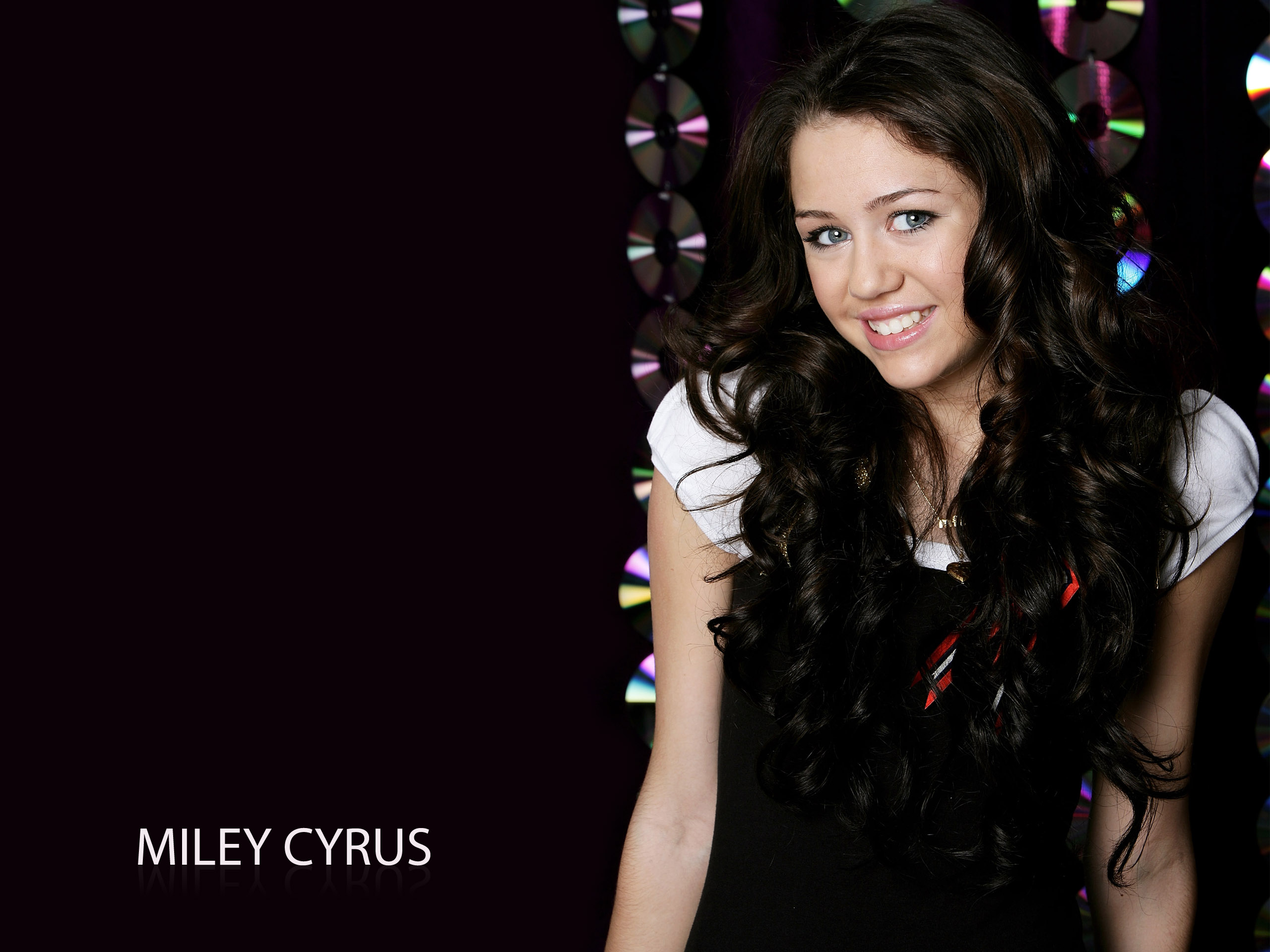 Miley Cyrus 27 4193805 2560x1920 All For Desktop