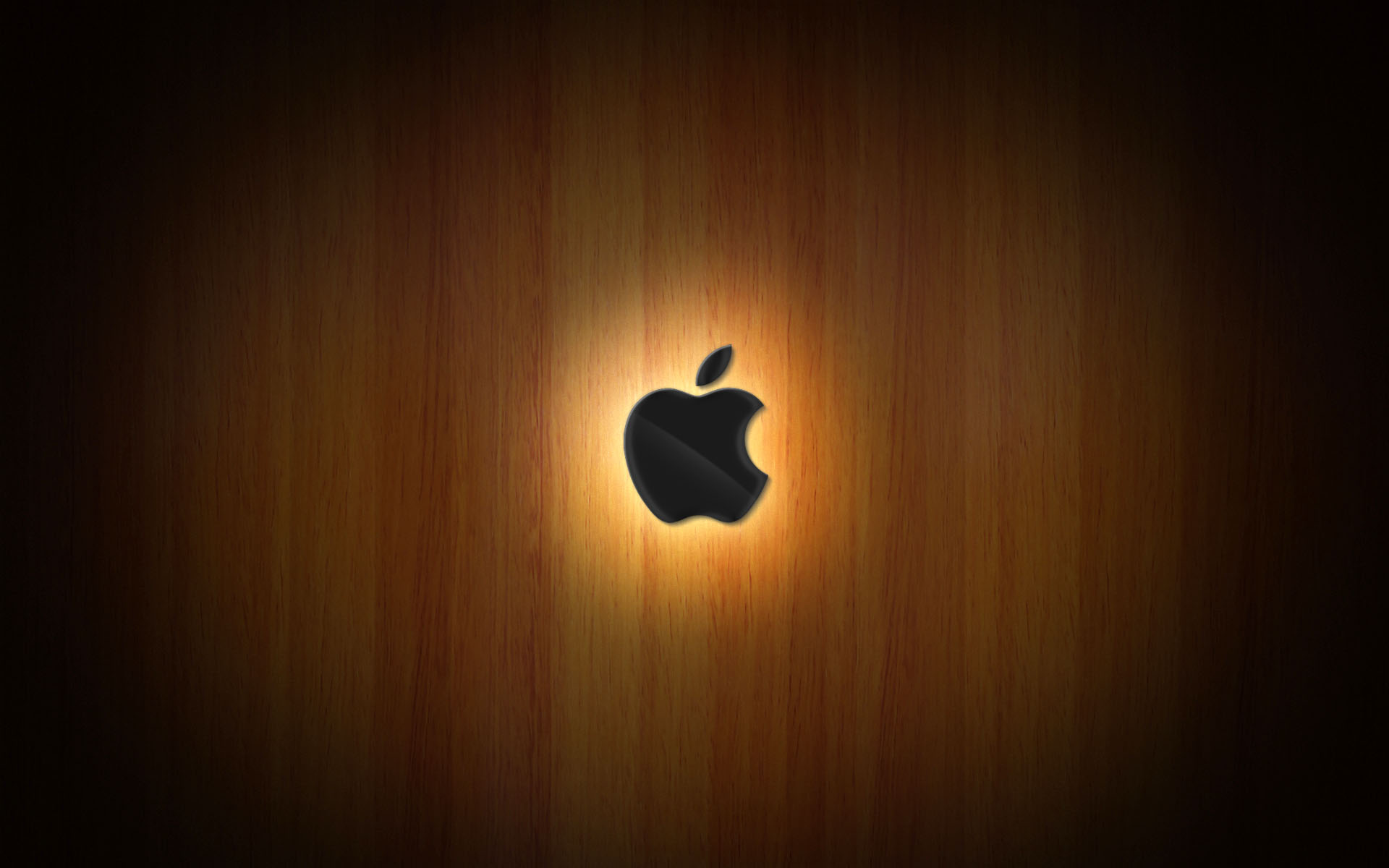Wooden Glow of Apple 426.56 Kb