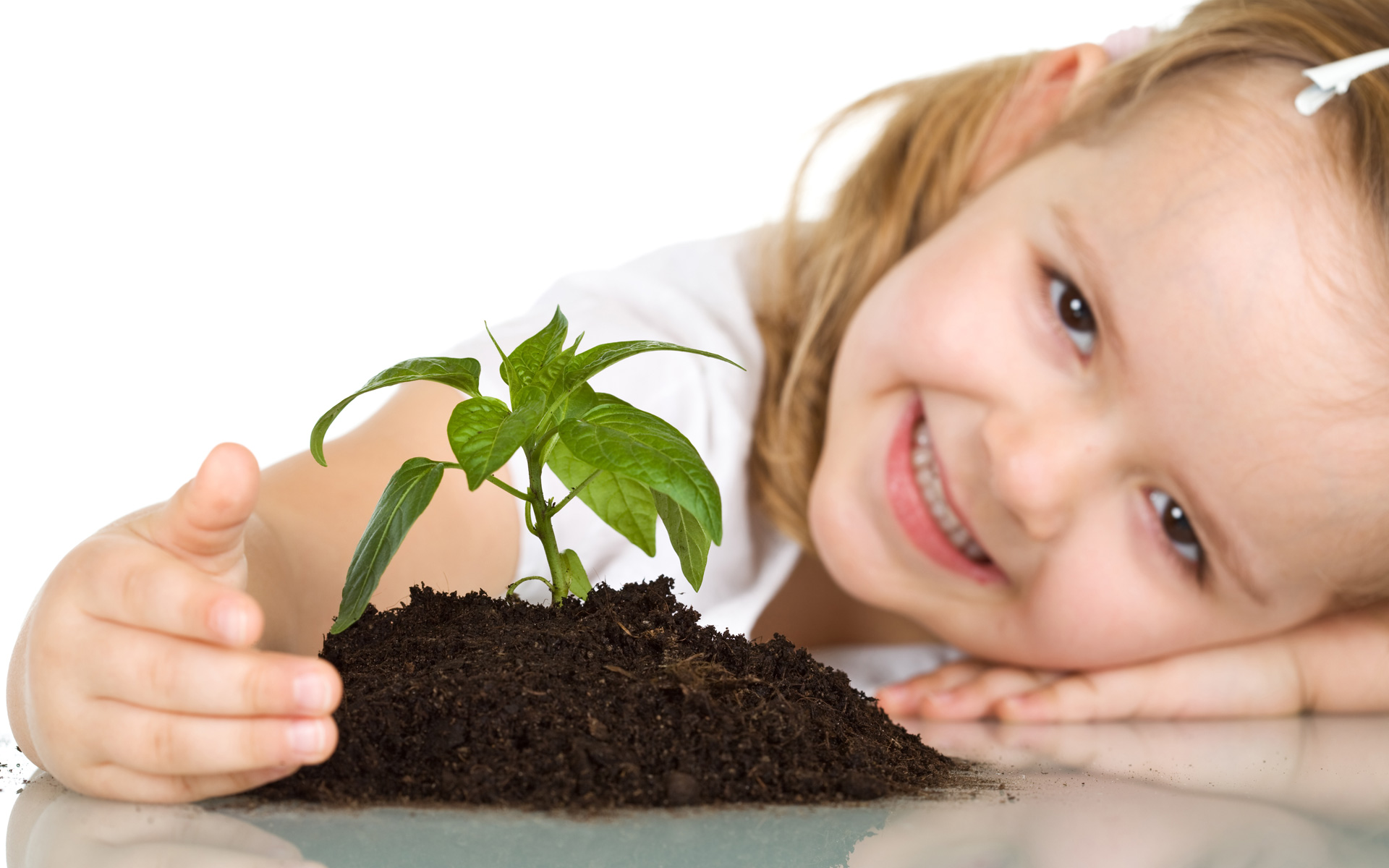 Cute Baby Girl Plant 314.95 Kb