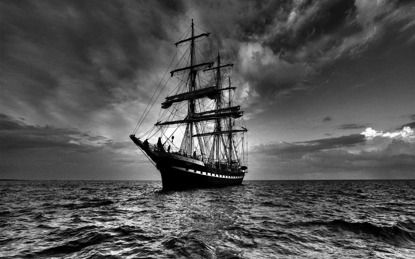 Sailing Ship in Dark 281.41 Kb