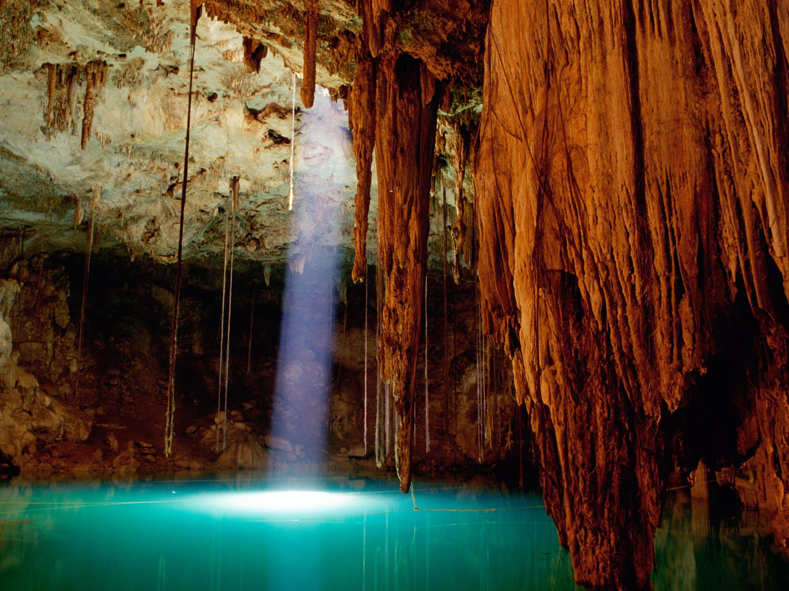 Cenote Dzitnup Mexico 325.45 Kb
