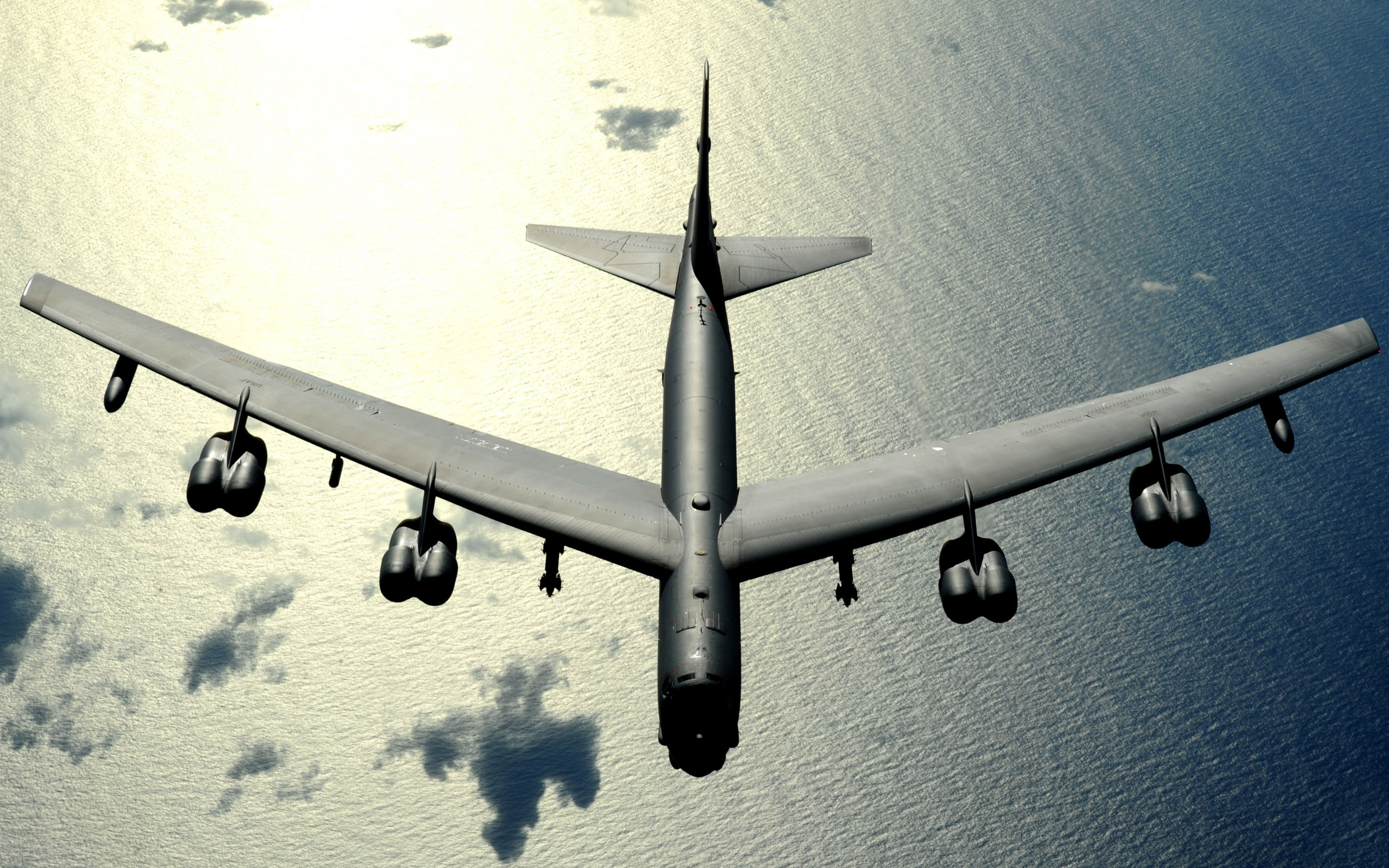 B 52 Stratofortress Bomber 618.68 Kb