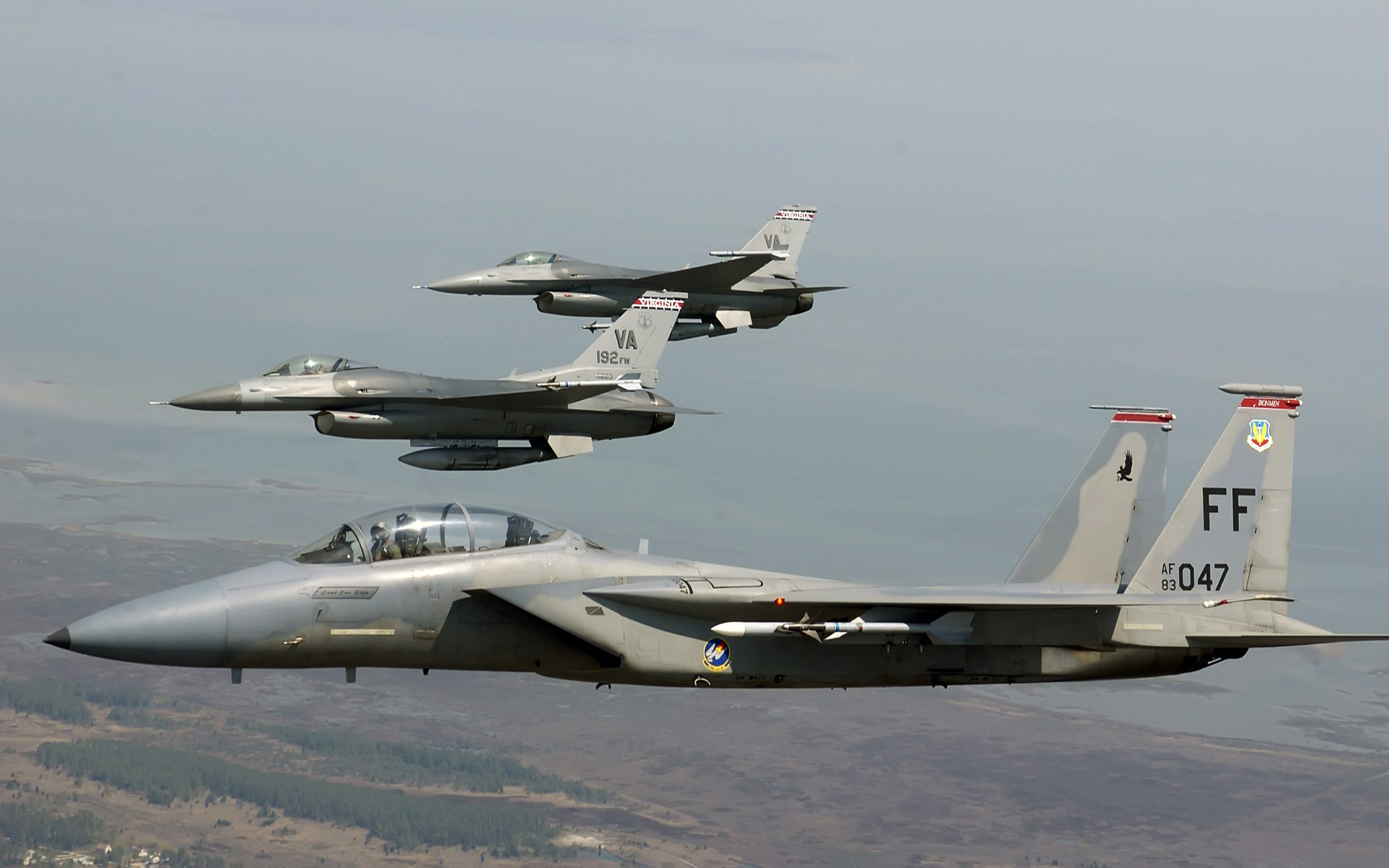 F 15 Eagle joined F 16 Fighting Falcons 255.56 Kb