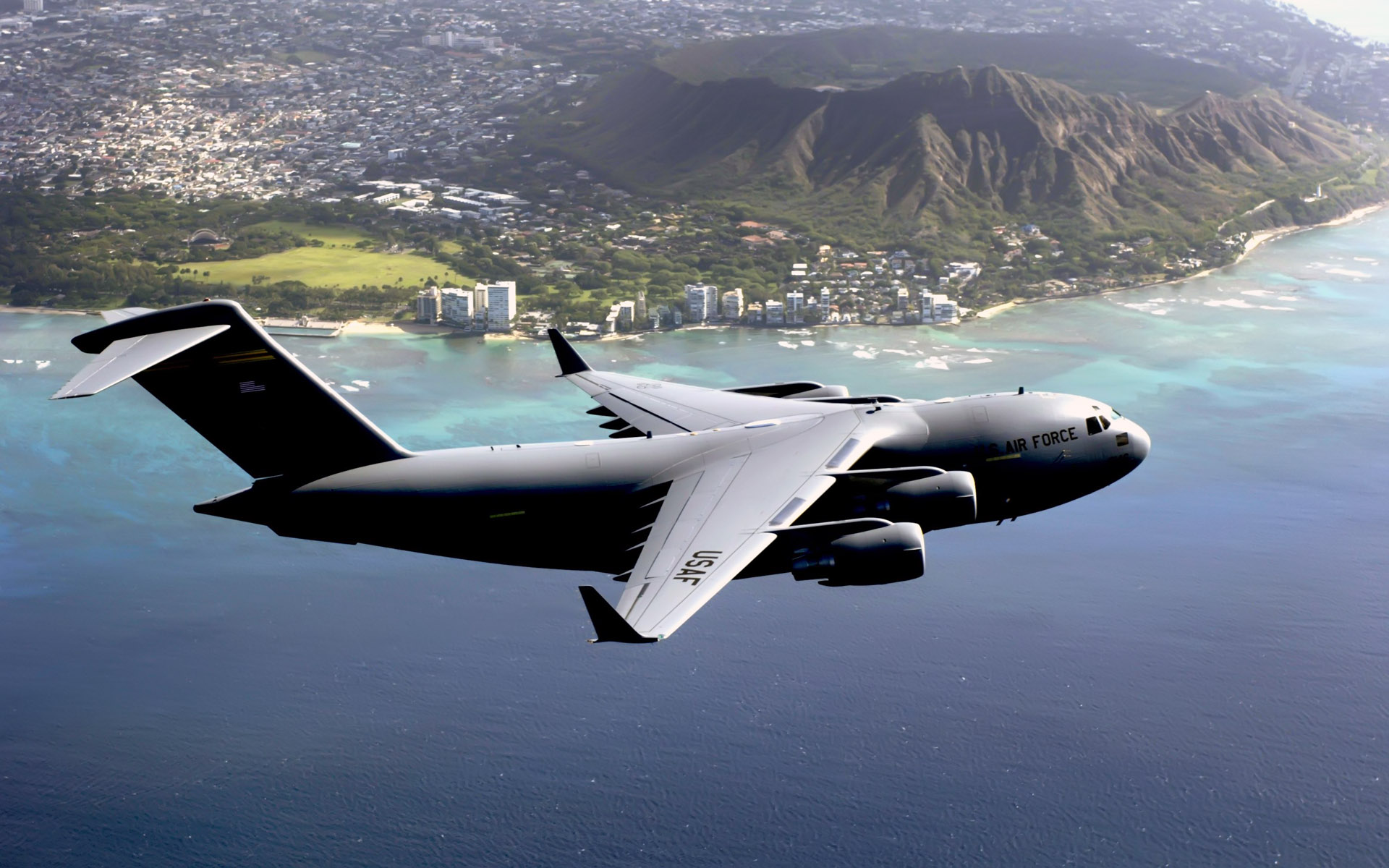 Hawaii Based C 17 Globemaster III 260.2 Kb