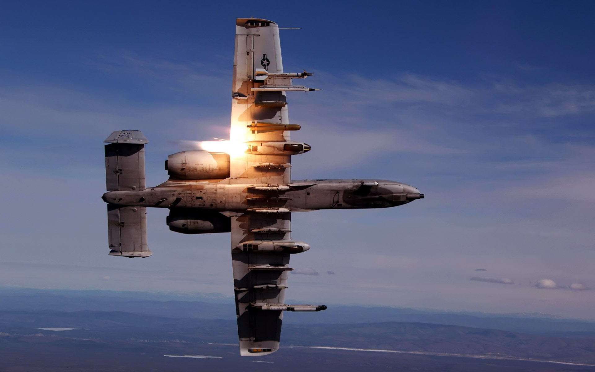 A 10 Thunderbolt II During Live Fire Training 168.59 Kb