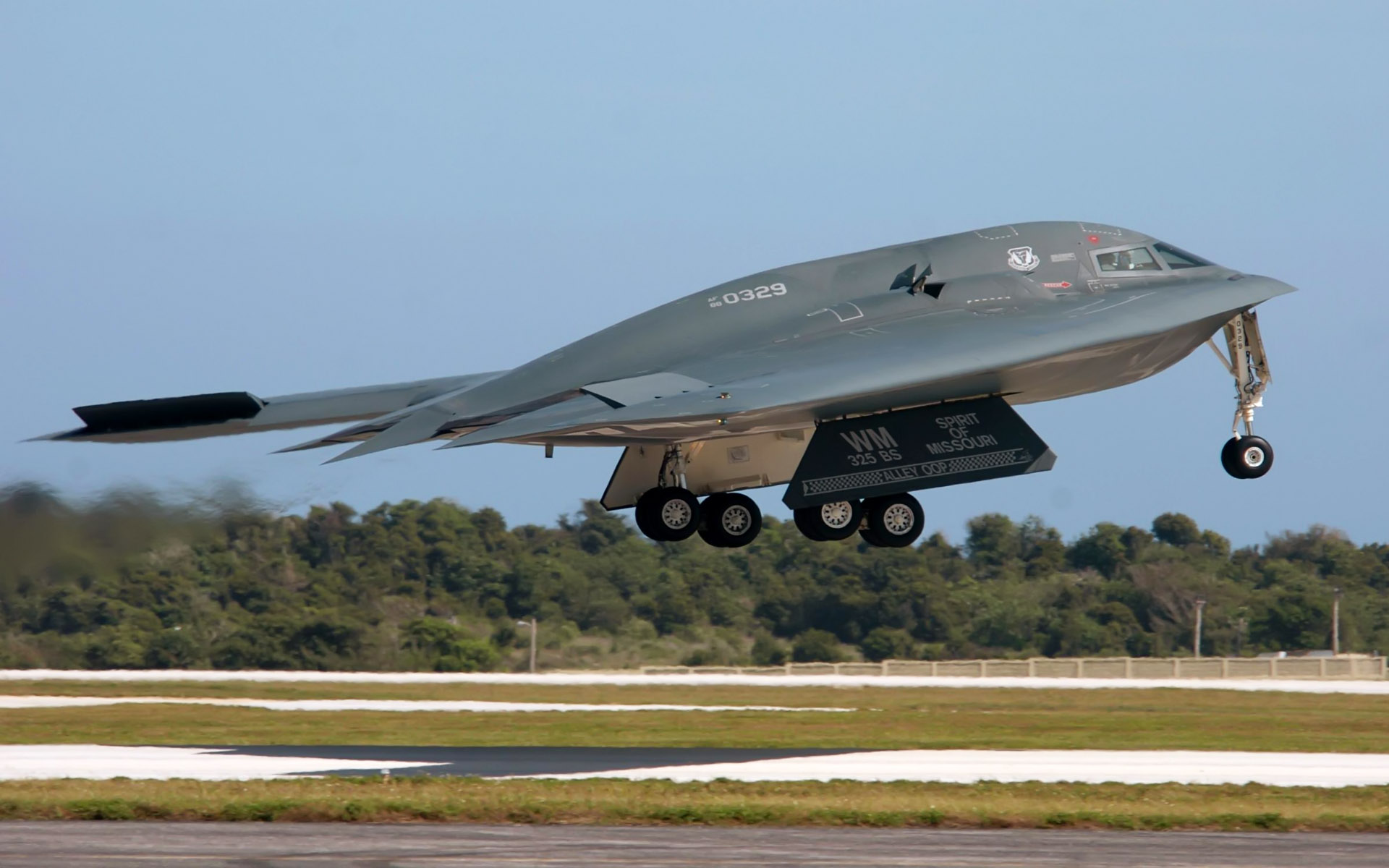 B 2 Spirit Bomber US Airforce 958.01 Kb