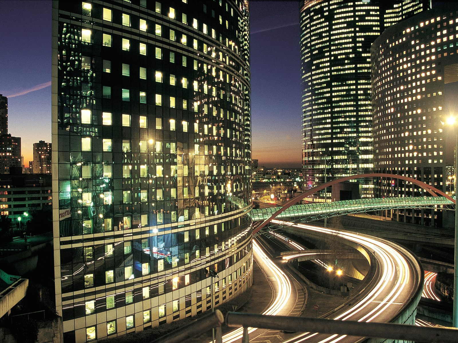 La Defense Business District Paris 634.28 Kb