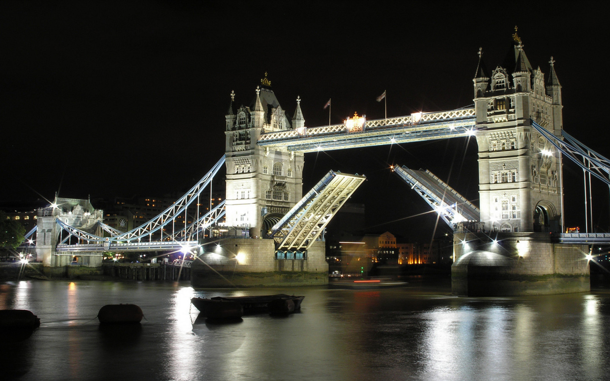 London Bridge Night 730.92 Kb