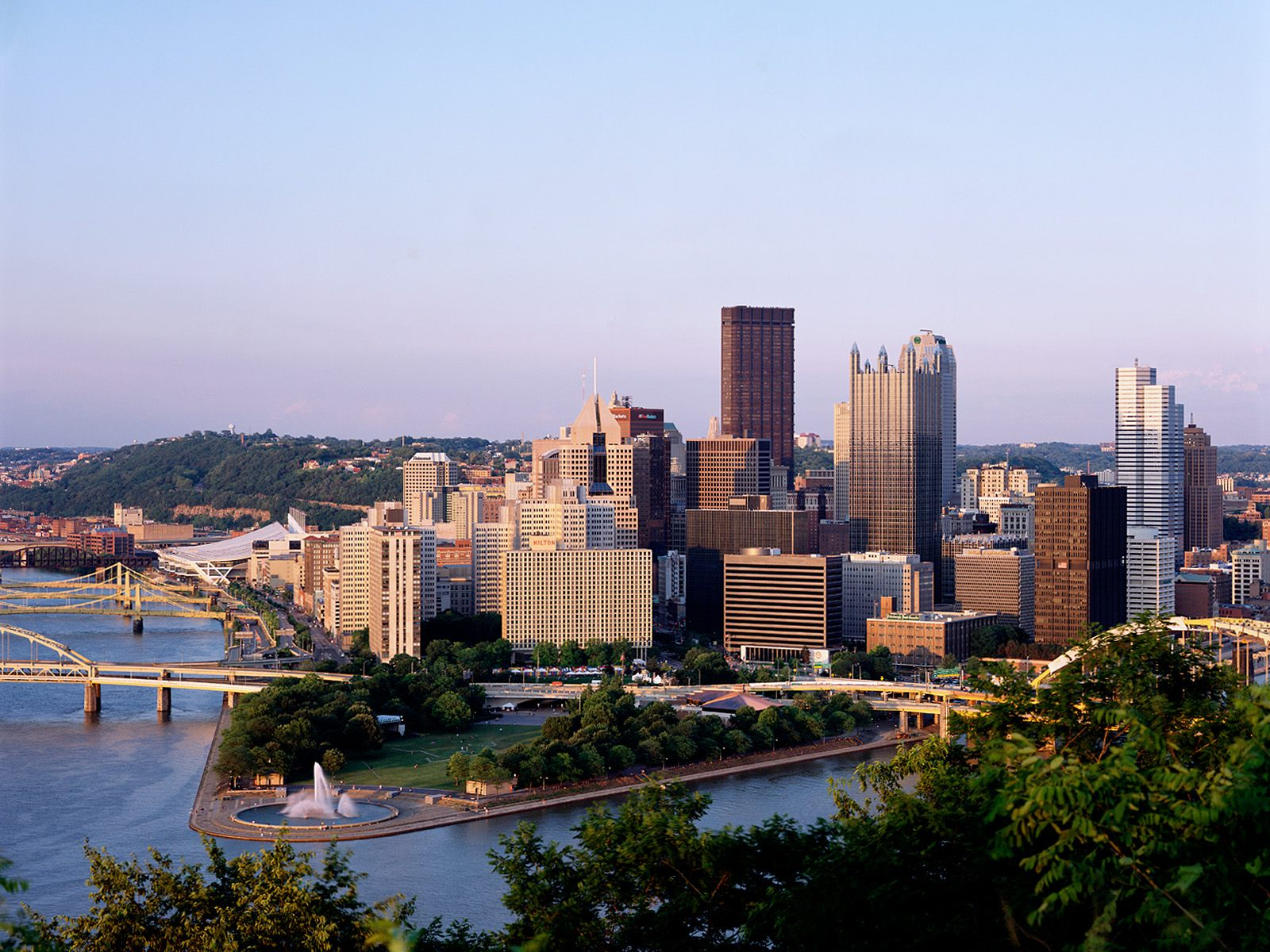 Pittsburgh as Seen From Duquesne Heights 331.34 Kb