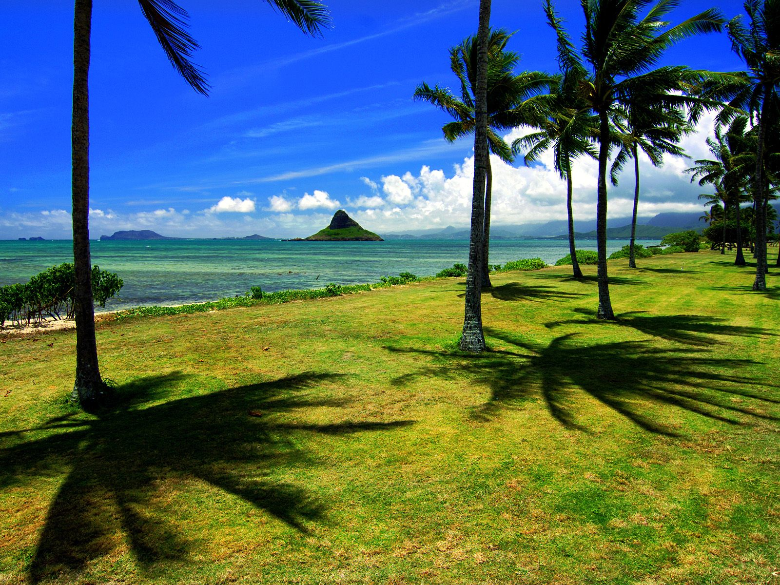 Chinaman's Hat Hawaii 543.22 Kb