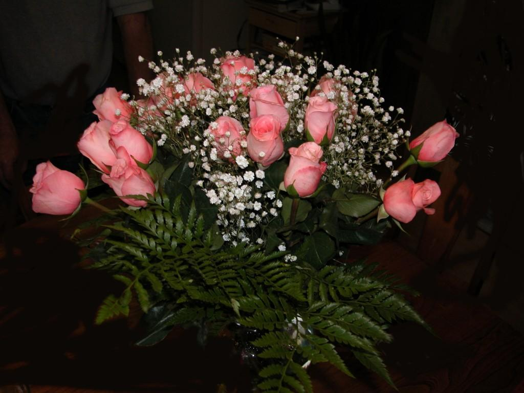 Lovely Roses Bunch 100.99 Kb
