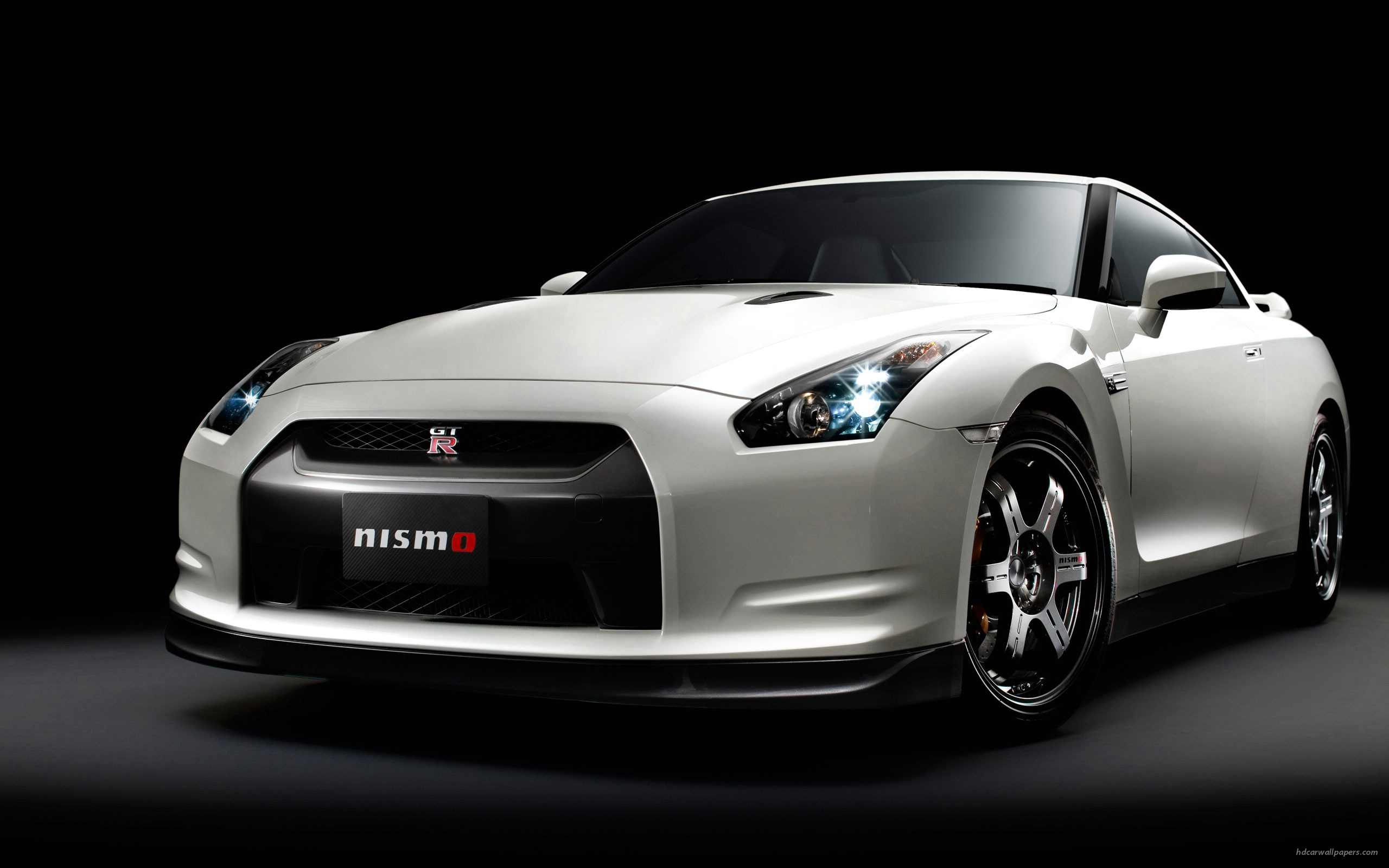 Nissan GT R Nismo Club Sports 252.08 Kb