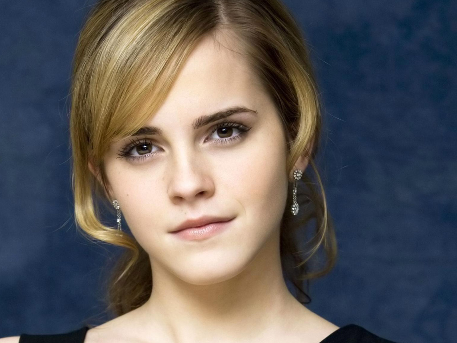 Emma Watson Beautiful 2009 431.57 Kb