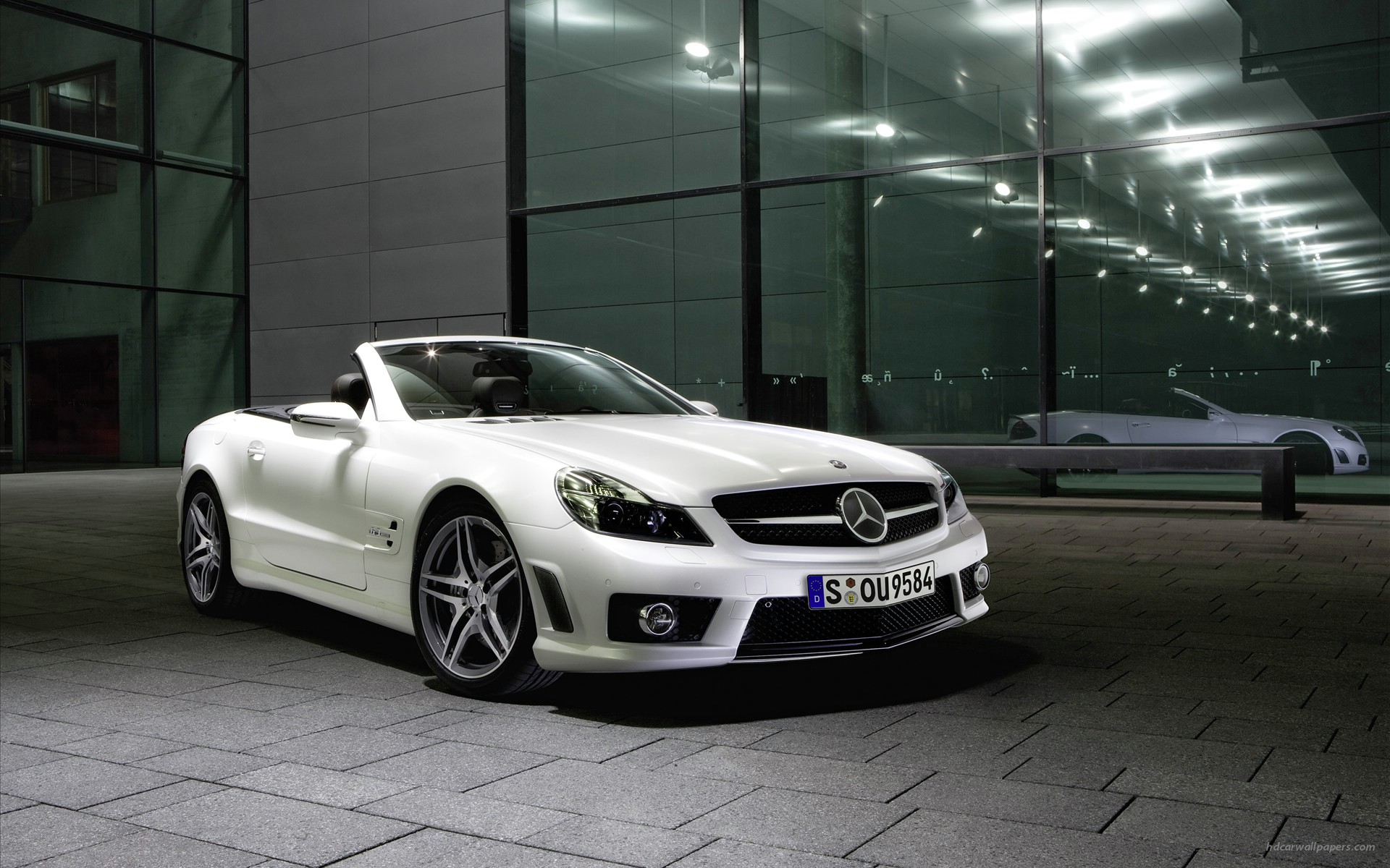 Mercedes Benz SL63 AMG Convertible 2 327.11 Kb
