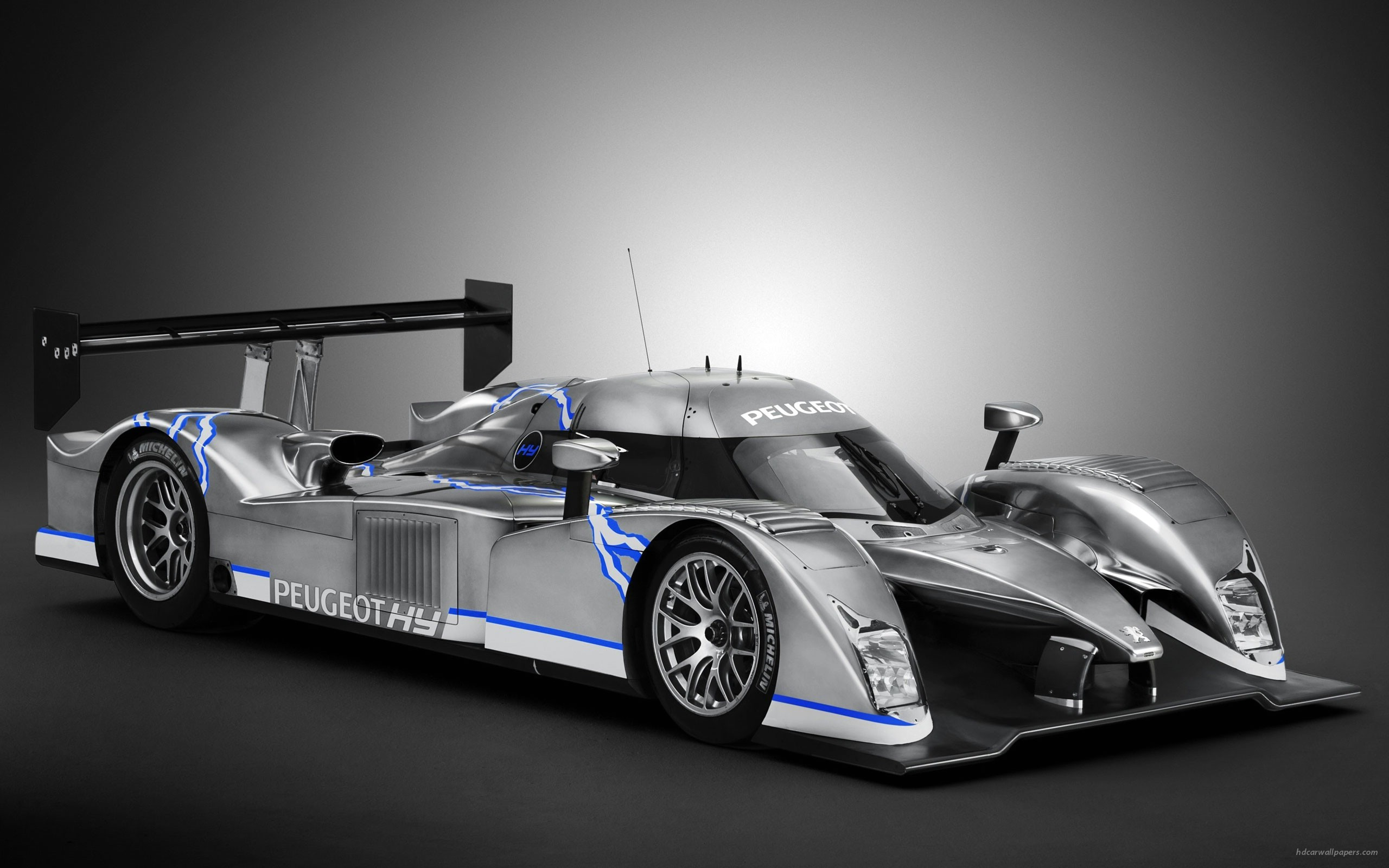 The Peugeot 908 HYbrid Race 285.2 Kb