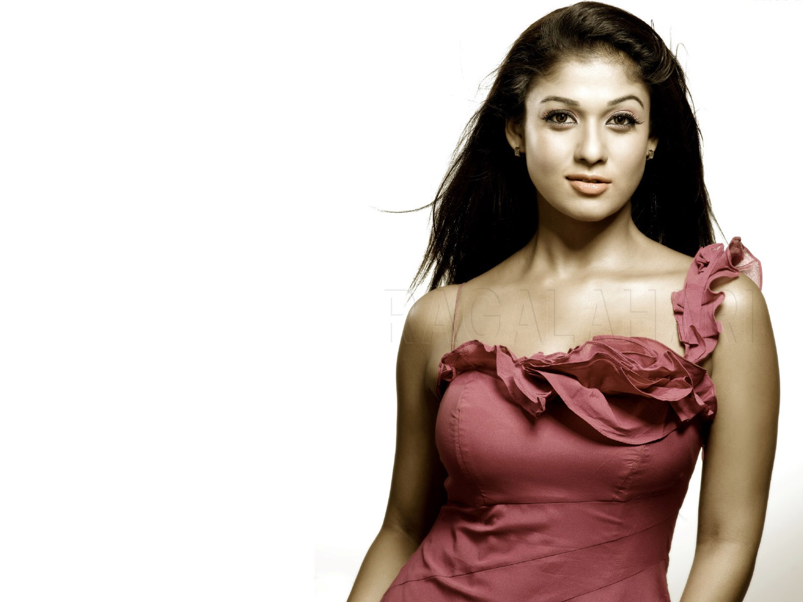Nayantara High Quality 330.73 Kb