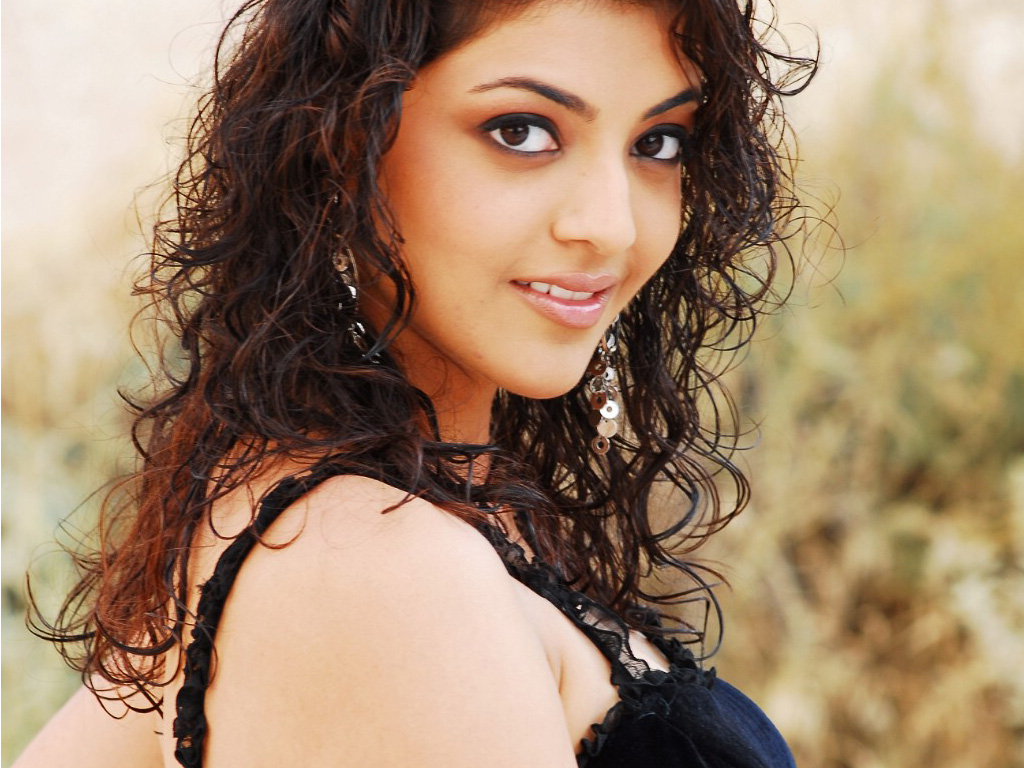 Kajal Crazy Looks 180.77 Kb