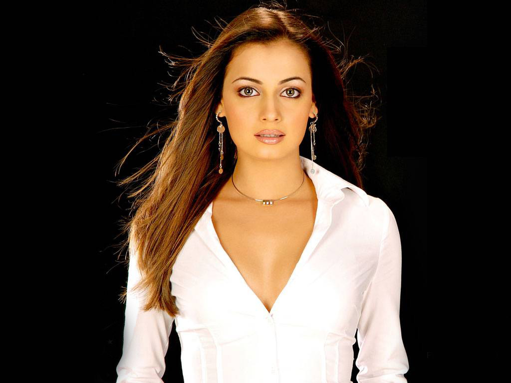 Diya Mirza Hot HQ