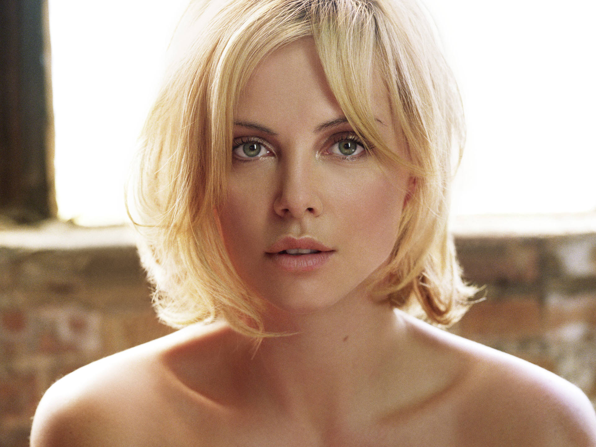 Charlize Theron (41) 790.57 Kb