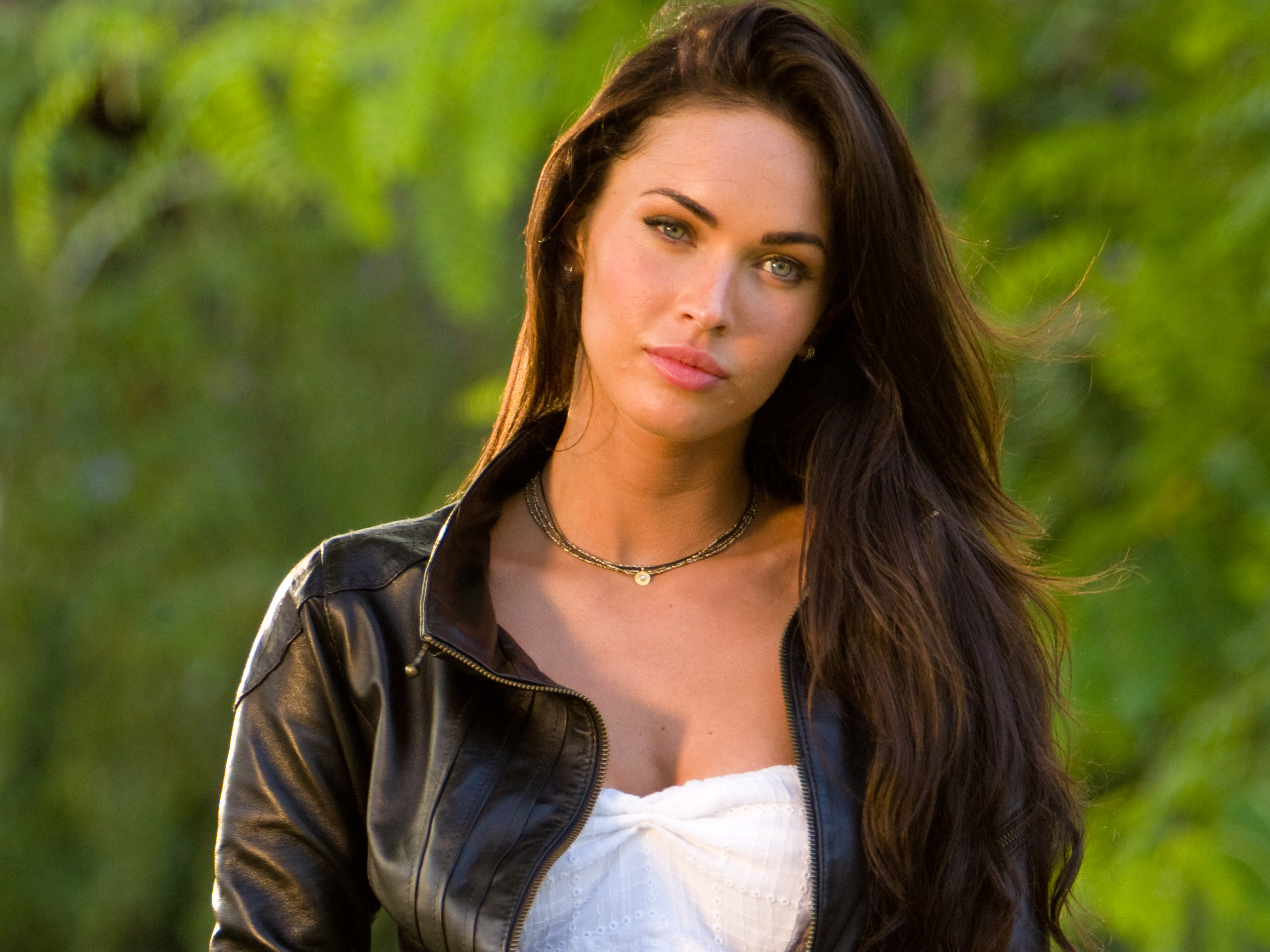 Megan Fox (11) 472.21 Kb