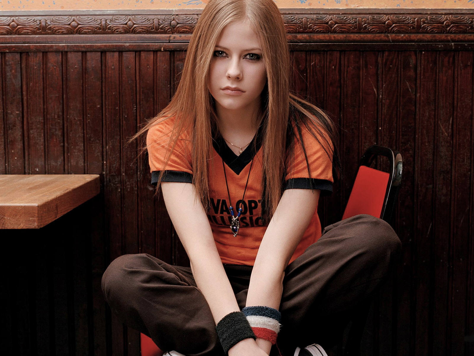 Pop Singer Avril Lavigne (5) 218.59 Kb