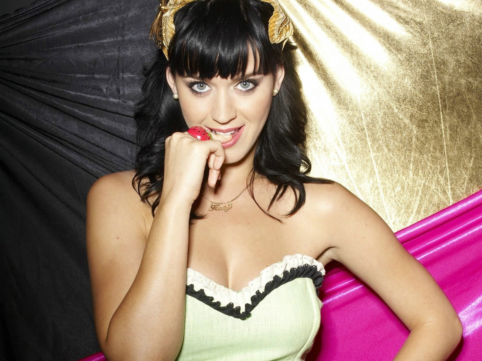 Katy Perry  (8) 71.02 Kb