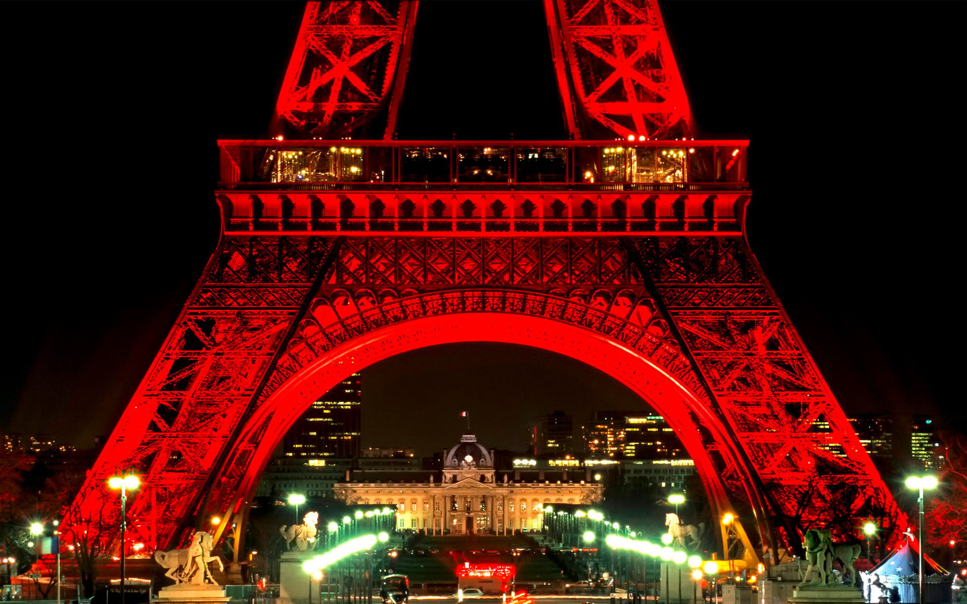 Eiffel Tower At Night Paris France 4203287 1600x1200 All For Desktop